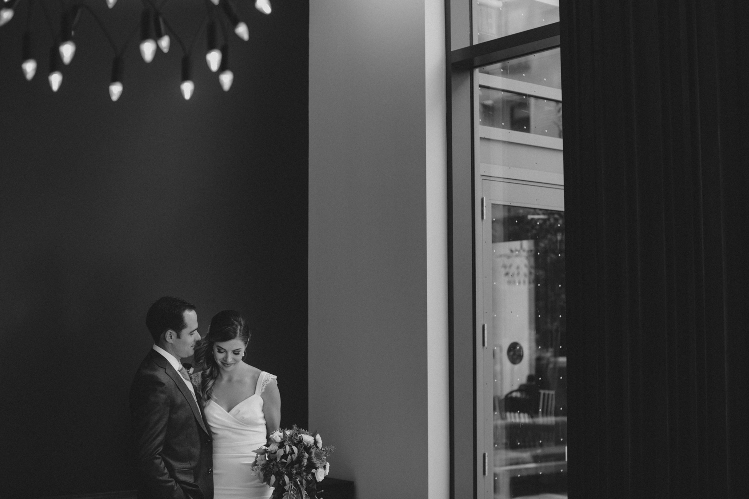 Steam-Whistle-Brewery-wedding-photos-Toronto-wedding-photography-by-Sam-Wong-of-Artanis-Collective_26.jpg