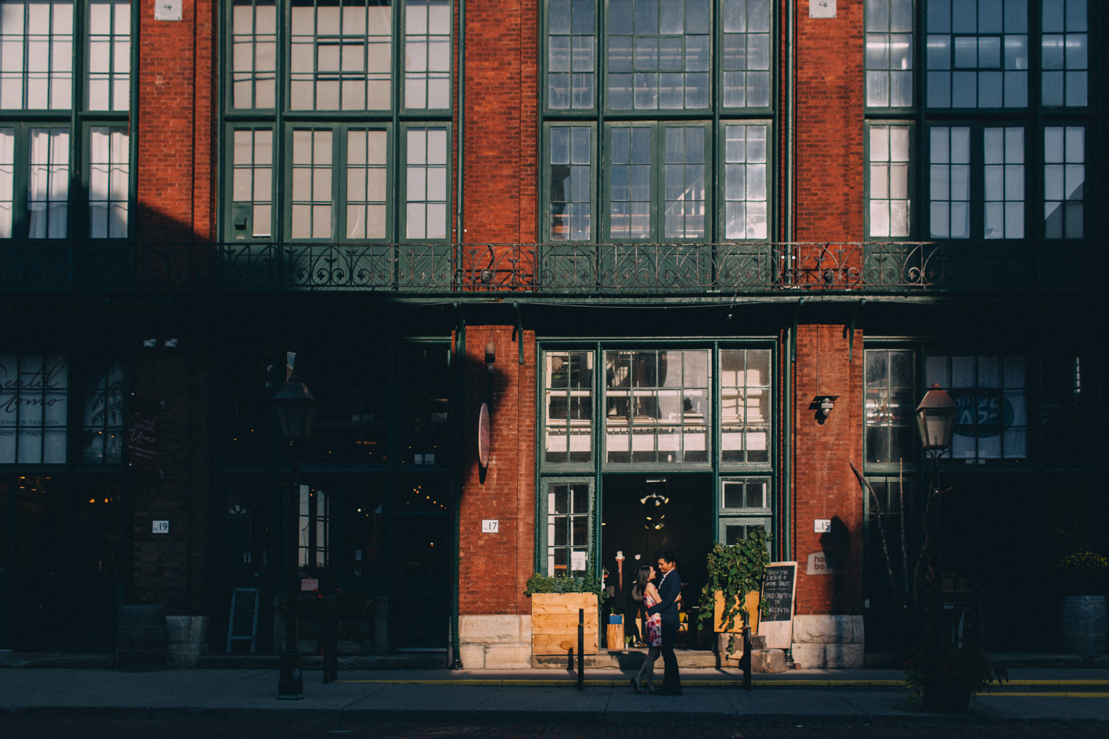 Distillery-District-engagement-photos-Toronto-wedding-photography-by-Sam-Wong-of-Artanis-Collective_005.jpg
