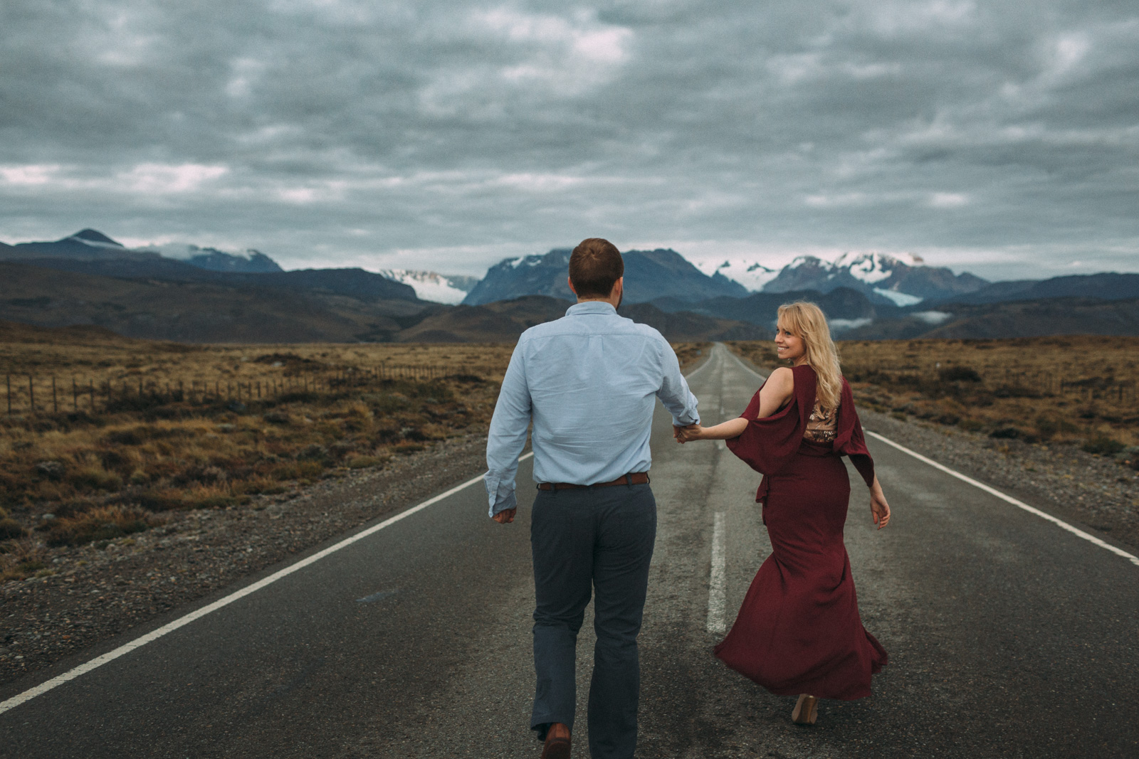 Patagonia-engagement-photography-in-El-Chalten-Argentina-by-lifestyle-photographer-Sam-Wong-of-Artanis-Collective_17.jpg