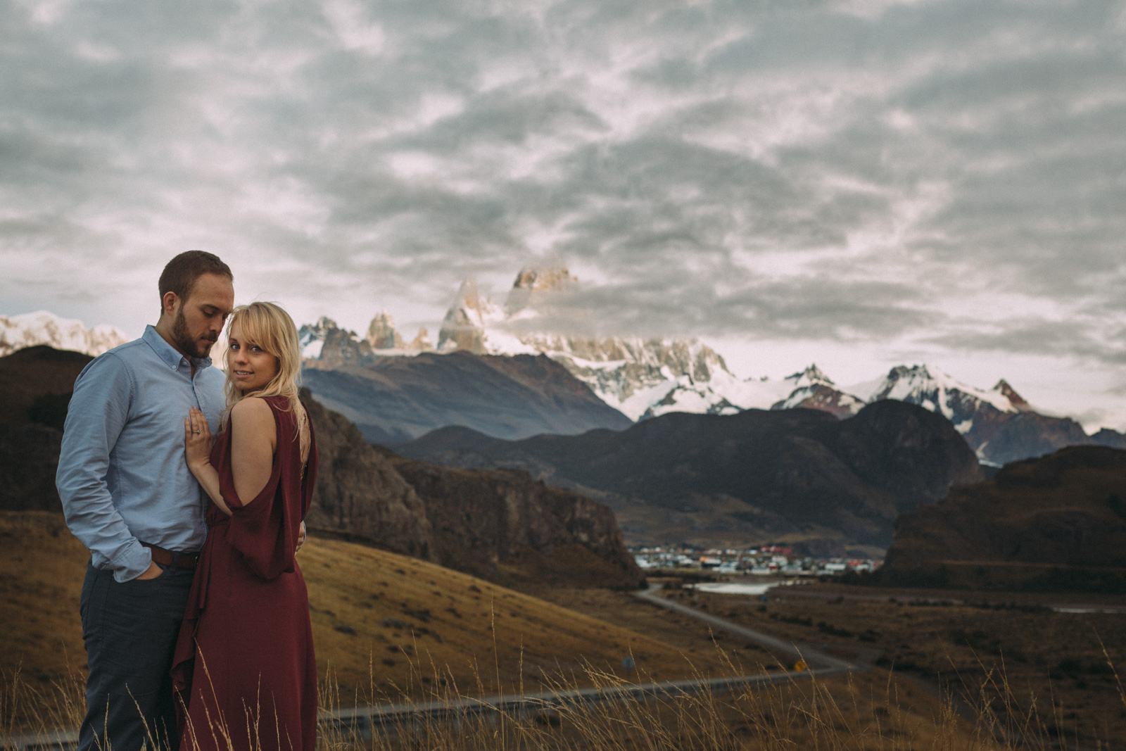 Patagonia-engagement-photography-in-El-Chalten-Argentina-by-lifestyle-photographer-Sam-Wong-of-Artanis-Collective_16.jpg