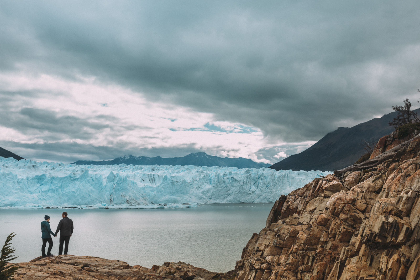 Patagonia-engagement-photography-in-El-Chalten-Argentina-by-lifestyle-photographer-Sam-Wong-of-Artanis-Collective_120.JPG