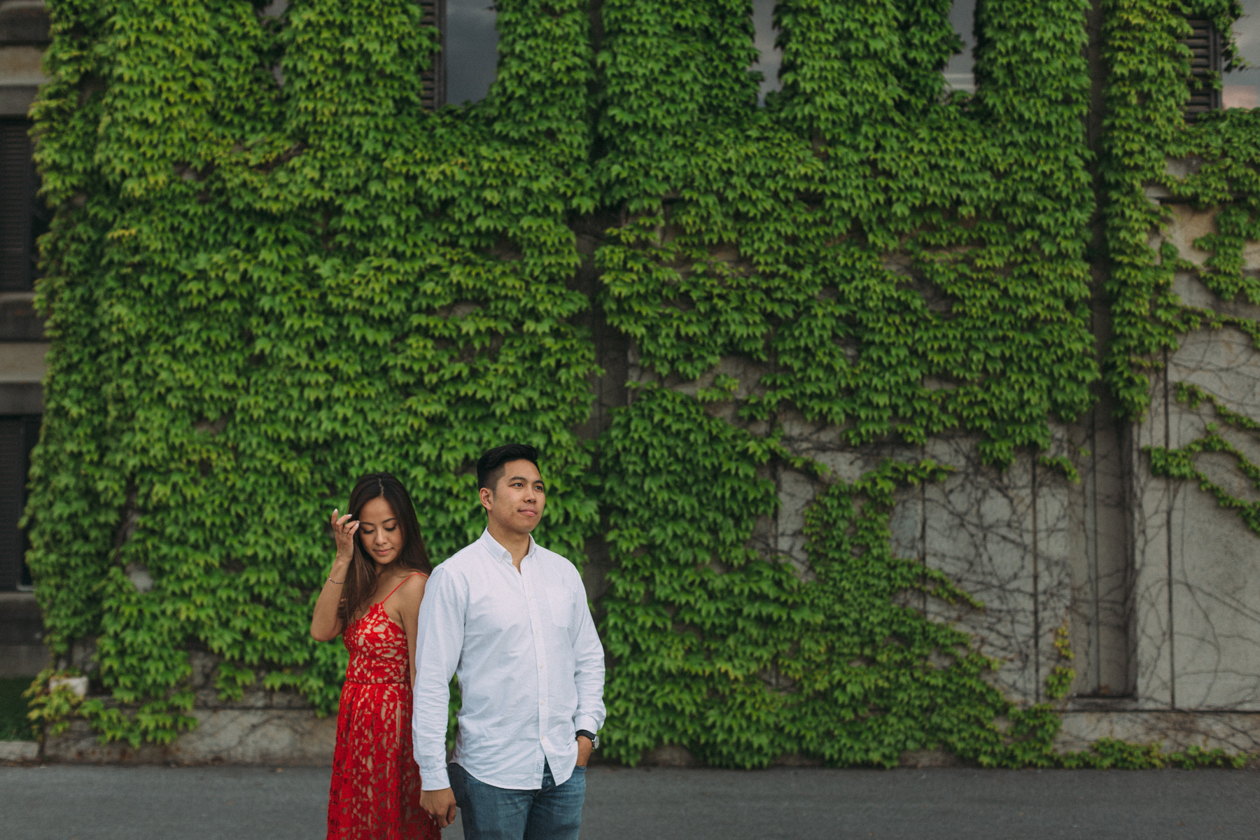Queens-University-engagement-session-Kingston-Christine-and-Michael-by-Sam-Wong-of-Artanis-Collective_003.jpg