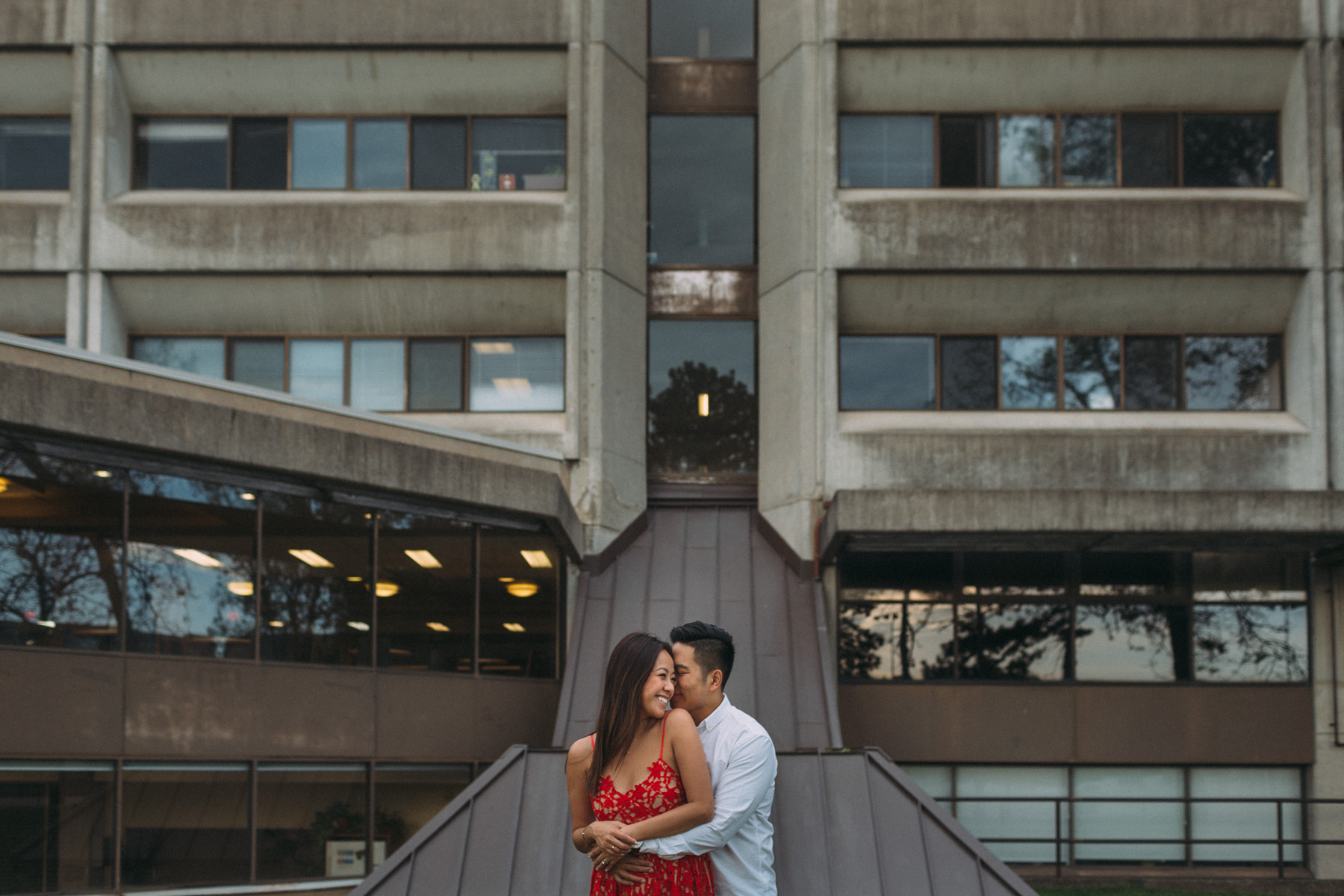 Queens-University-engagement-session-Kingston-Christine-and-Michael-by-Sam-Wong-of-Artanis-Collective_014.jpg