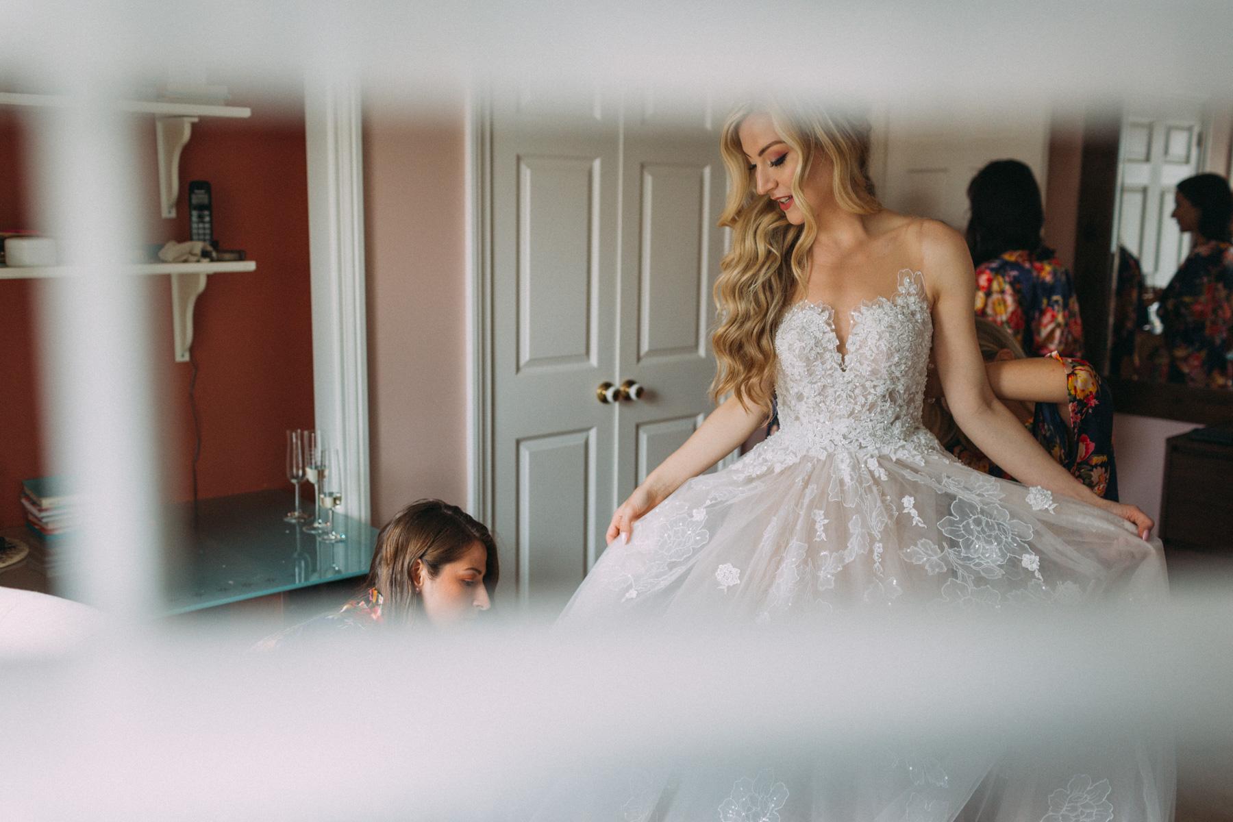 La-Maquette-wedding-by-Toronto-modern-wedding-photographer-Sam-Wong_09.jpg