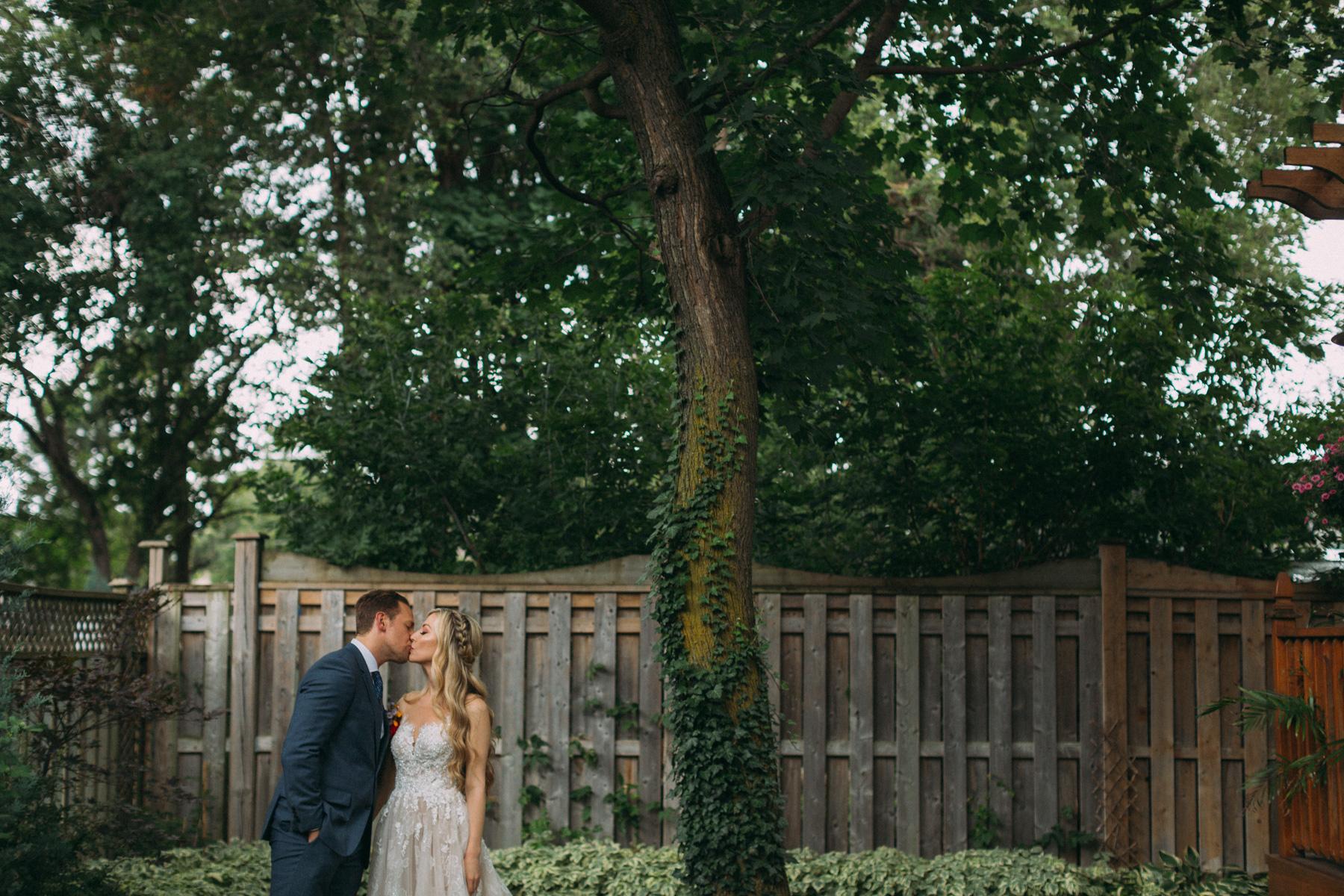 La-Maquette-wedding-by-Toronto-modern-wedding-photographer-Sam-Wong_16.jpg