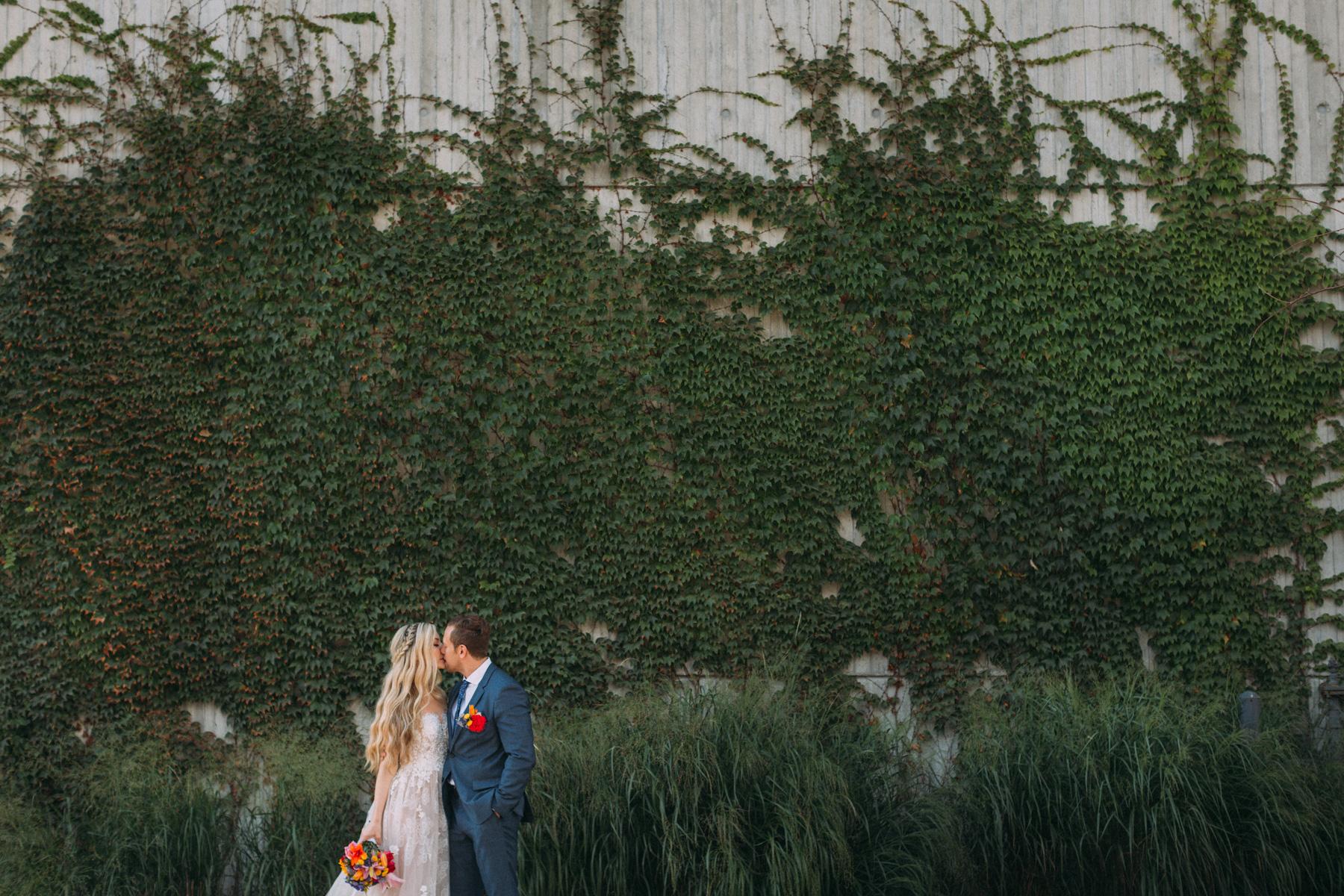 La-Maquette-wedding-by-Toronto-modern-wedding-photographer-Sam-Wong_20.jpg