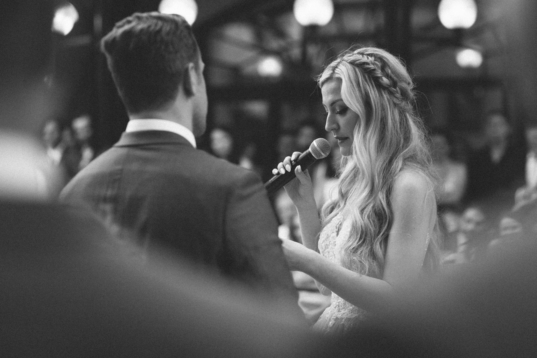 La-Maquette-wedding-by-Toronto-modern-wedding-photographer-Sam-Wong_29.jpg