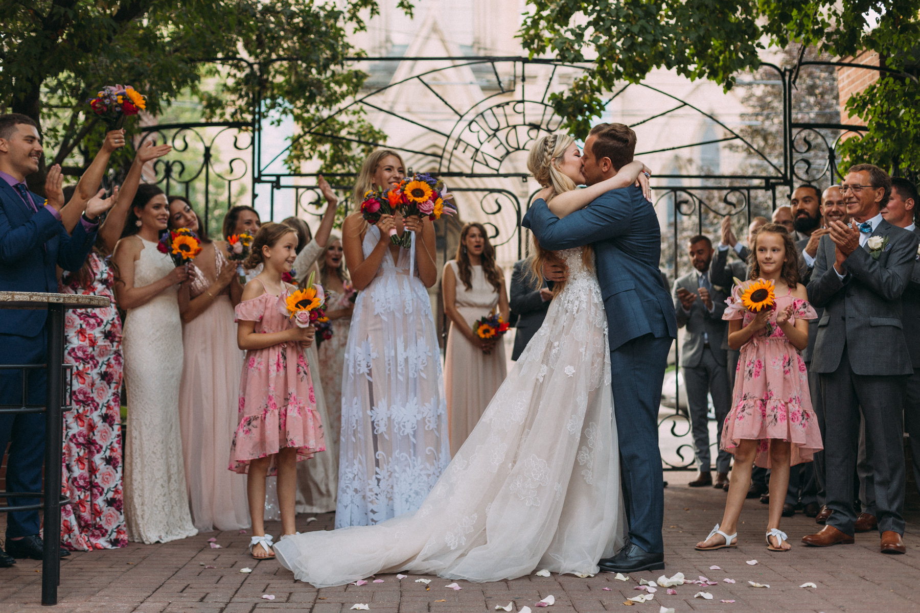 La-Maquette-wedding-by-Toronto-modern-wedding-photographer-Sam-Wong_30.jpg