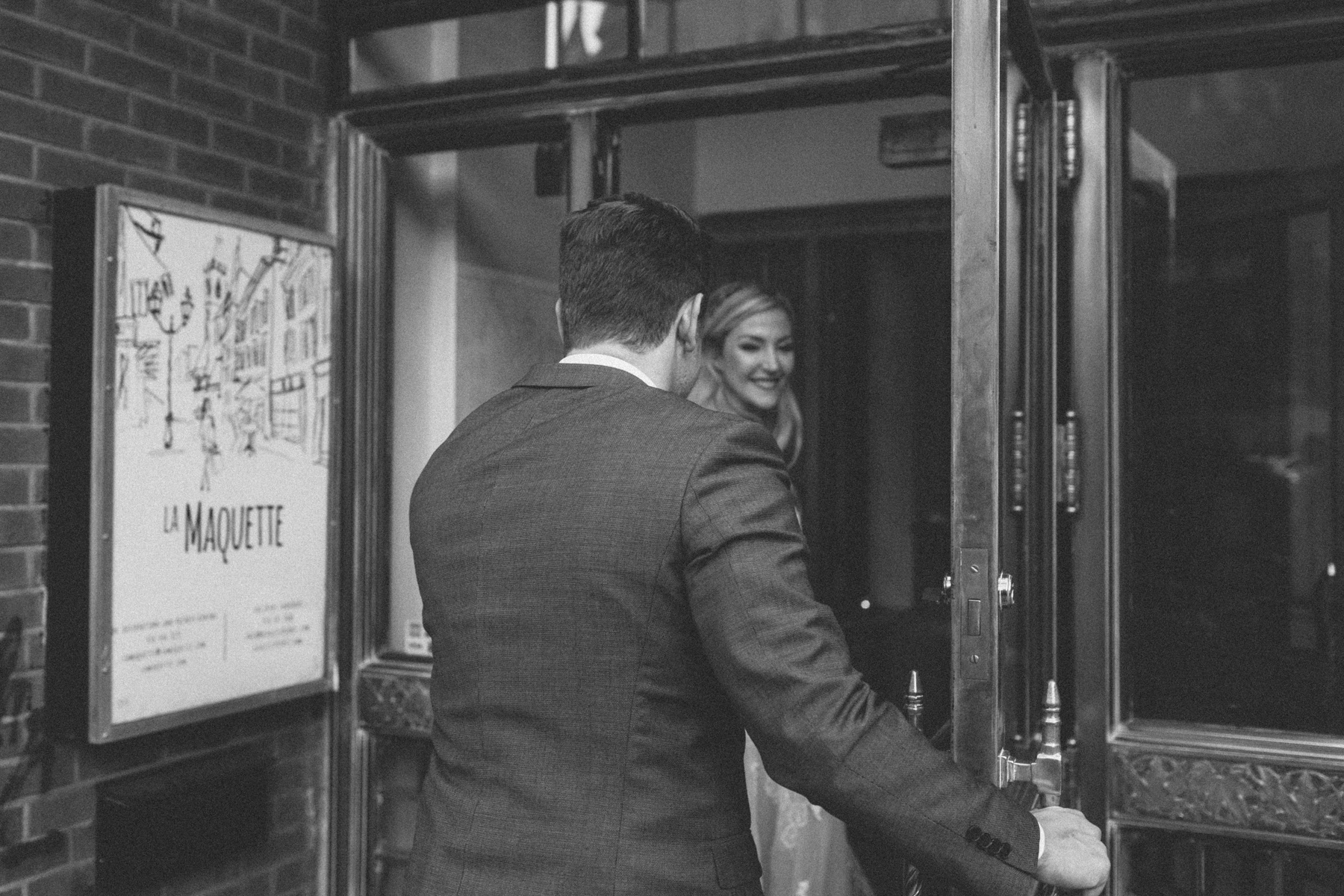 La-Maquette-wedding-by-Toronto-modern-wedding-photographer-Sam-Wong_36.jpg