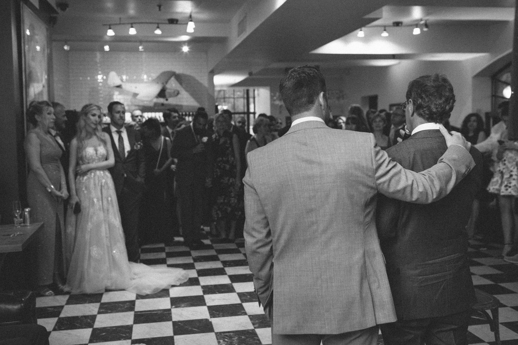 La-Maquette-wedding-by-Toronto-modern-wedding-photographer-Sam-Wong_38.jpg