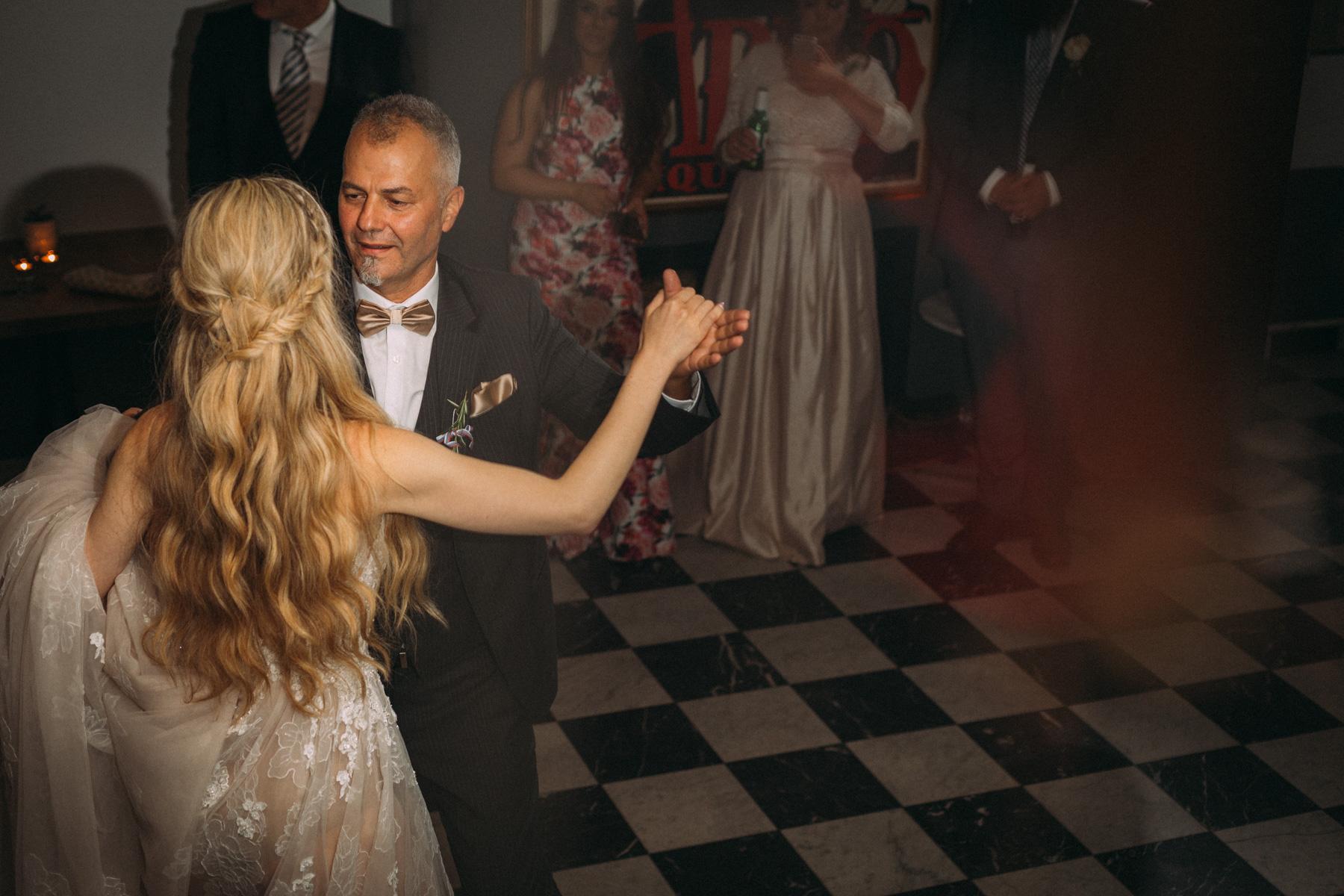 La-Maquette-wedding-by-Toronto-modern-wedding-photographer-Sam-Wong_47.jpg