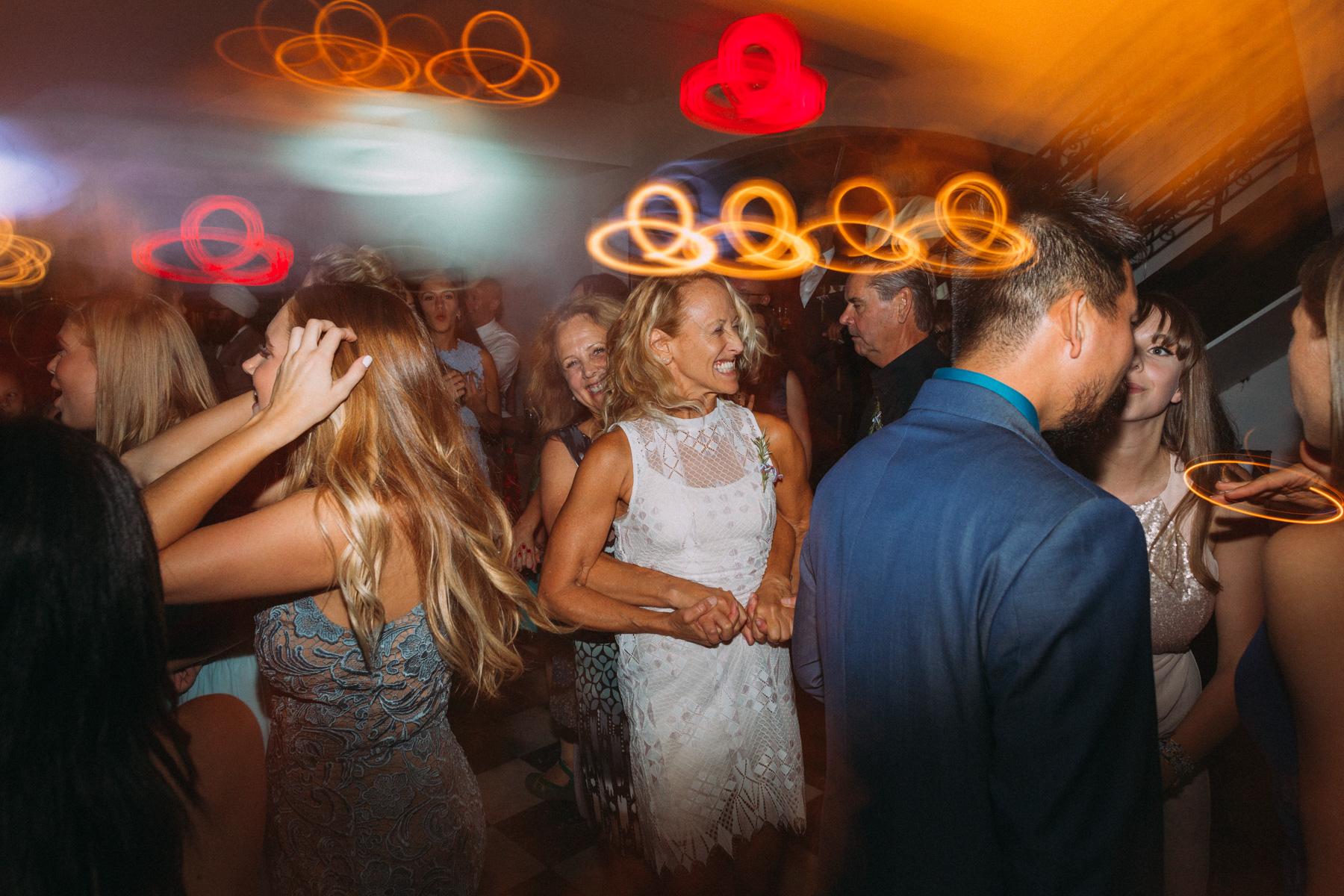 La-Maquette-wedding-by-Toronto-modern-wedding-photographer-Sam-Wong_52.jpg