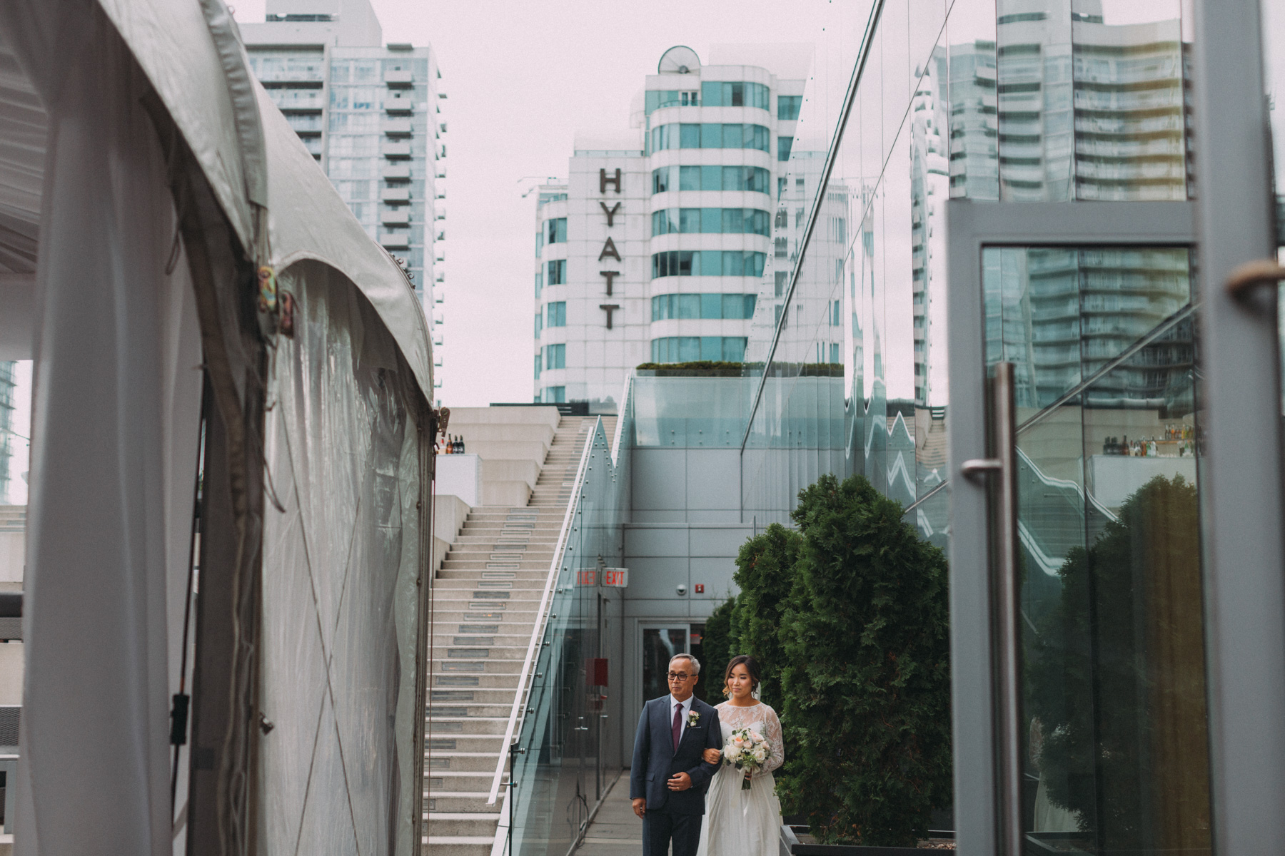 Malaparte-wedding-photography-Toronto-by-Sam-Wong-of-Artanis-Collective-Mary-Anne-Bourne_037.jpg