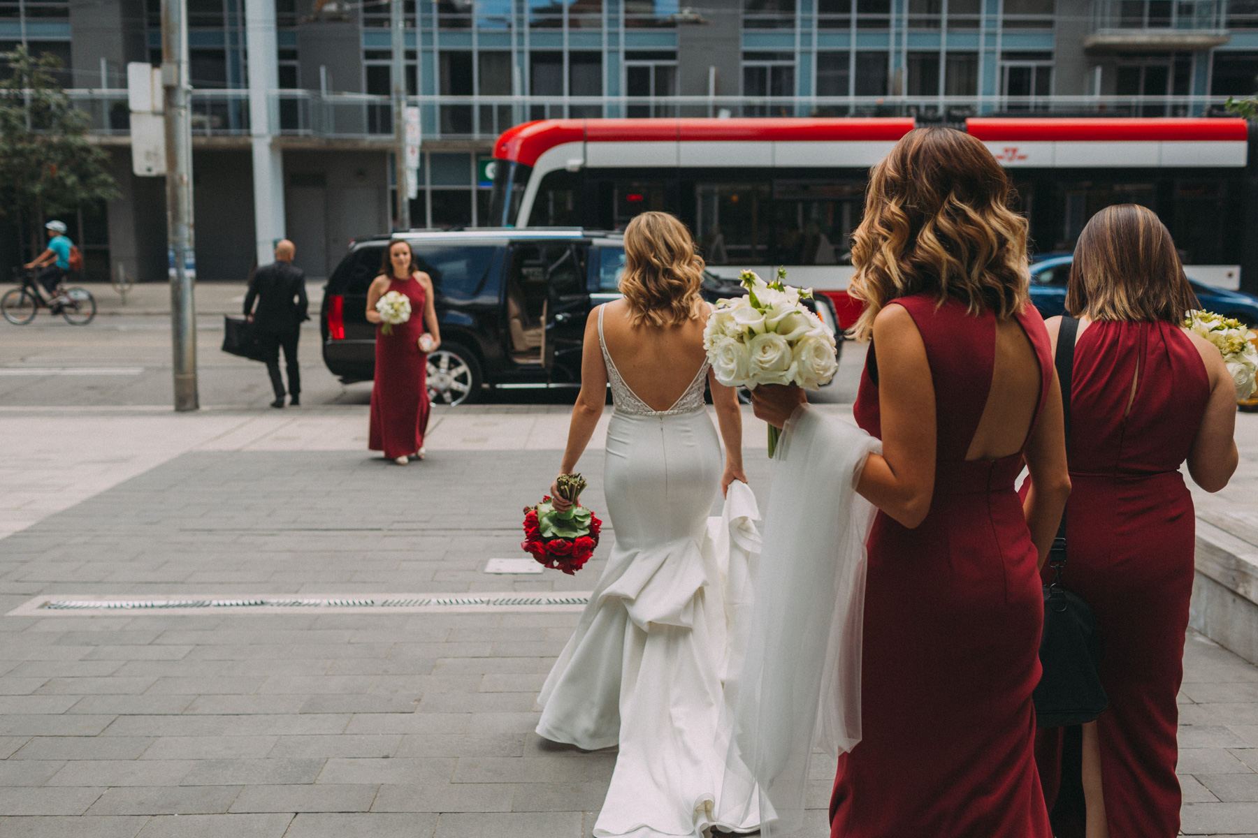 Thompson-Landry-Gallery-wedding-photos-Toronto-by-Sam-Wong-of-Artanis-Collective-Polina-Zarko_0013.jpg