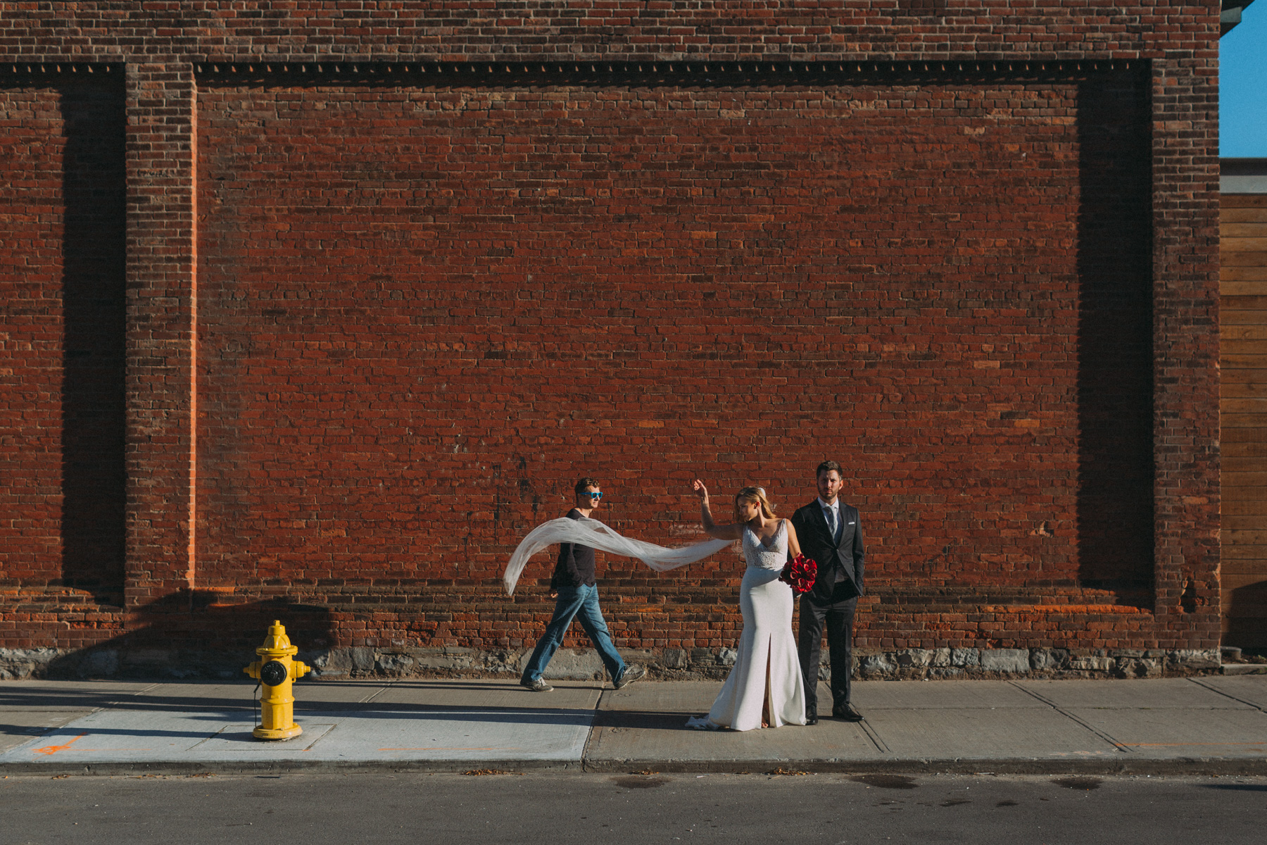 Thompson-Landry-Gallery-wedding-photos-Toronto-by-Sam-Wong-of-Artanis-Collective-Polina-Zarko_0039.jpg