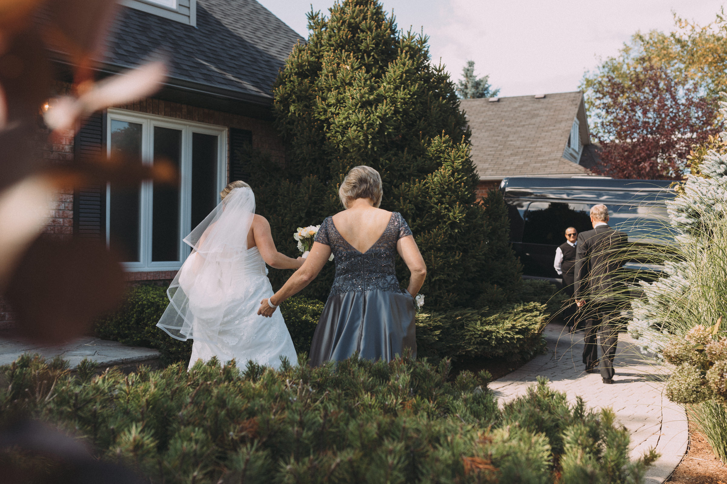 Mississaugua-Golf-and-Country-Club-wedding-photography-Emma-and-Nigel-by-Sam-Wong-of-Visual-Cravings_18.jpg