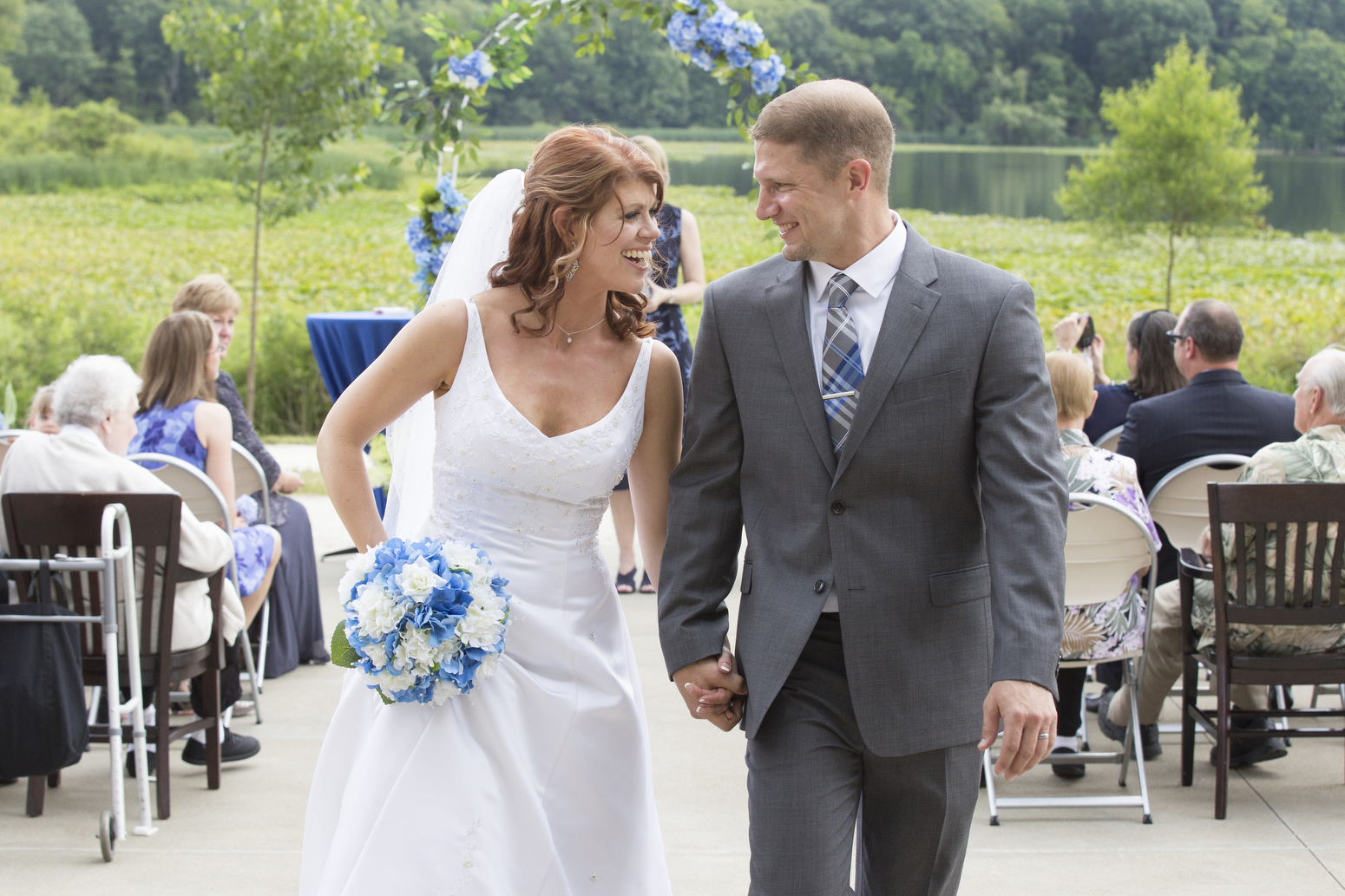Outdoor Wedding Ceremony view of Sippo Lake in Canton, OH