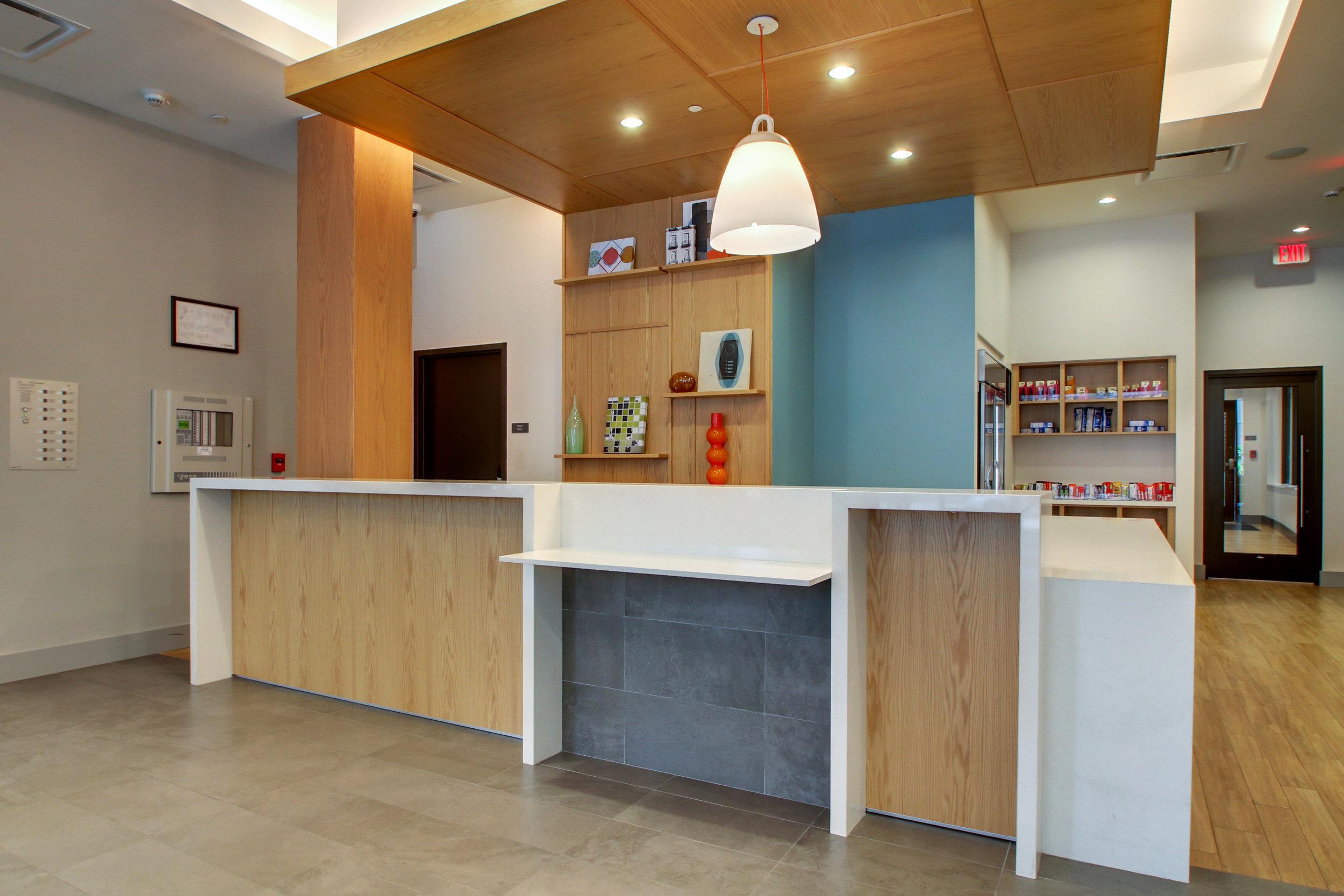 Front Desk 01.jpg
