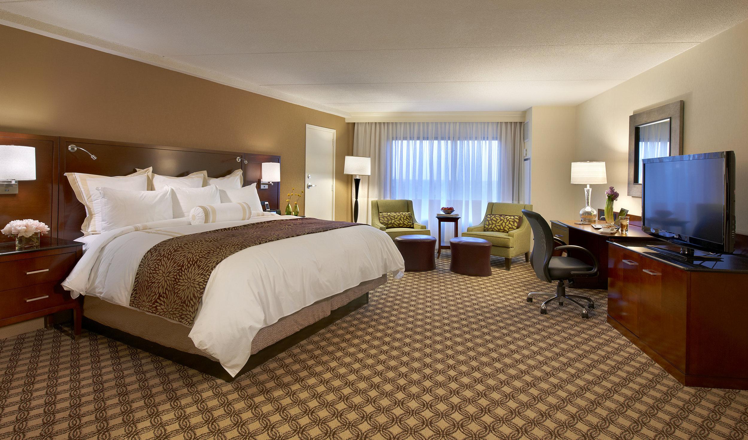 Marriott Naperville_Guest Room #1.jpg