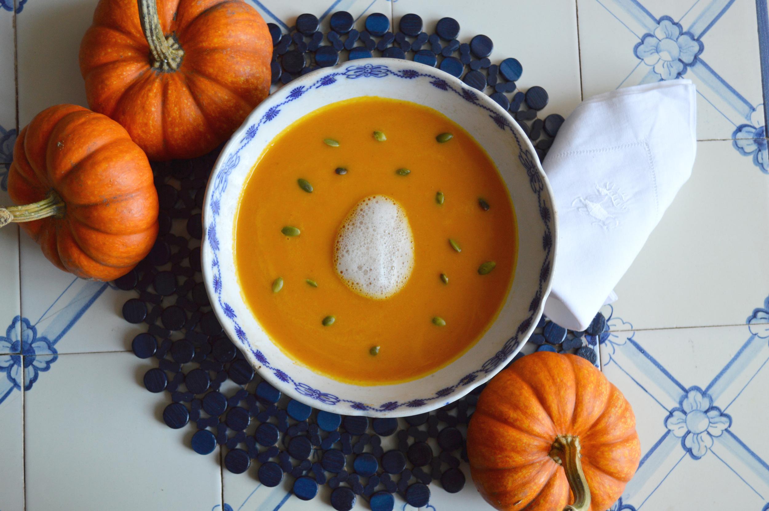Pumpkin soup with cinnamon foam