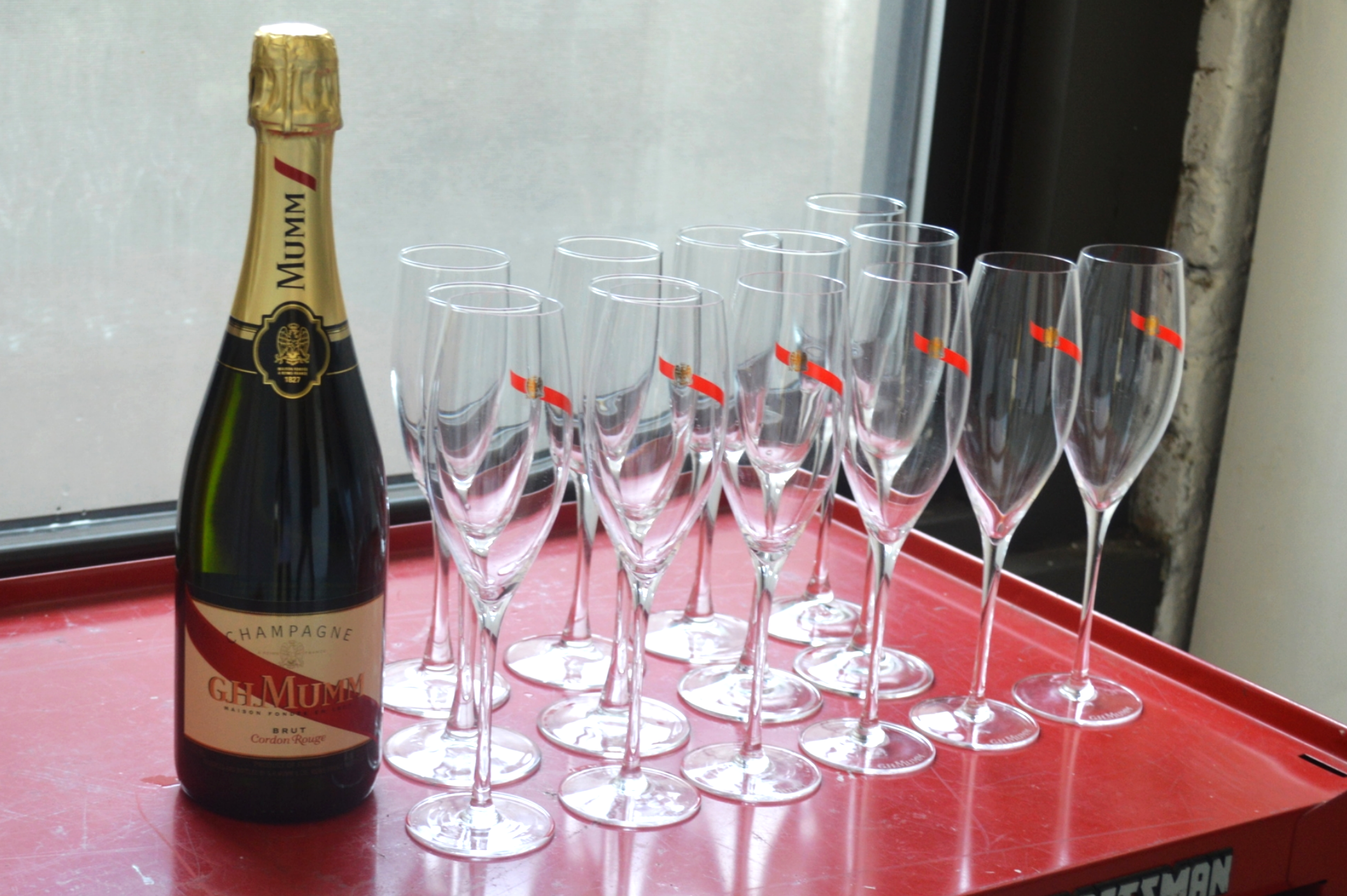 GH Mumm champagne to welcome guests at the event