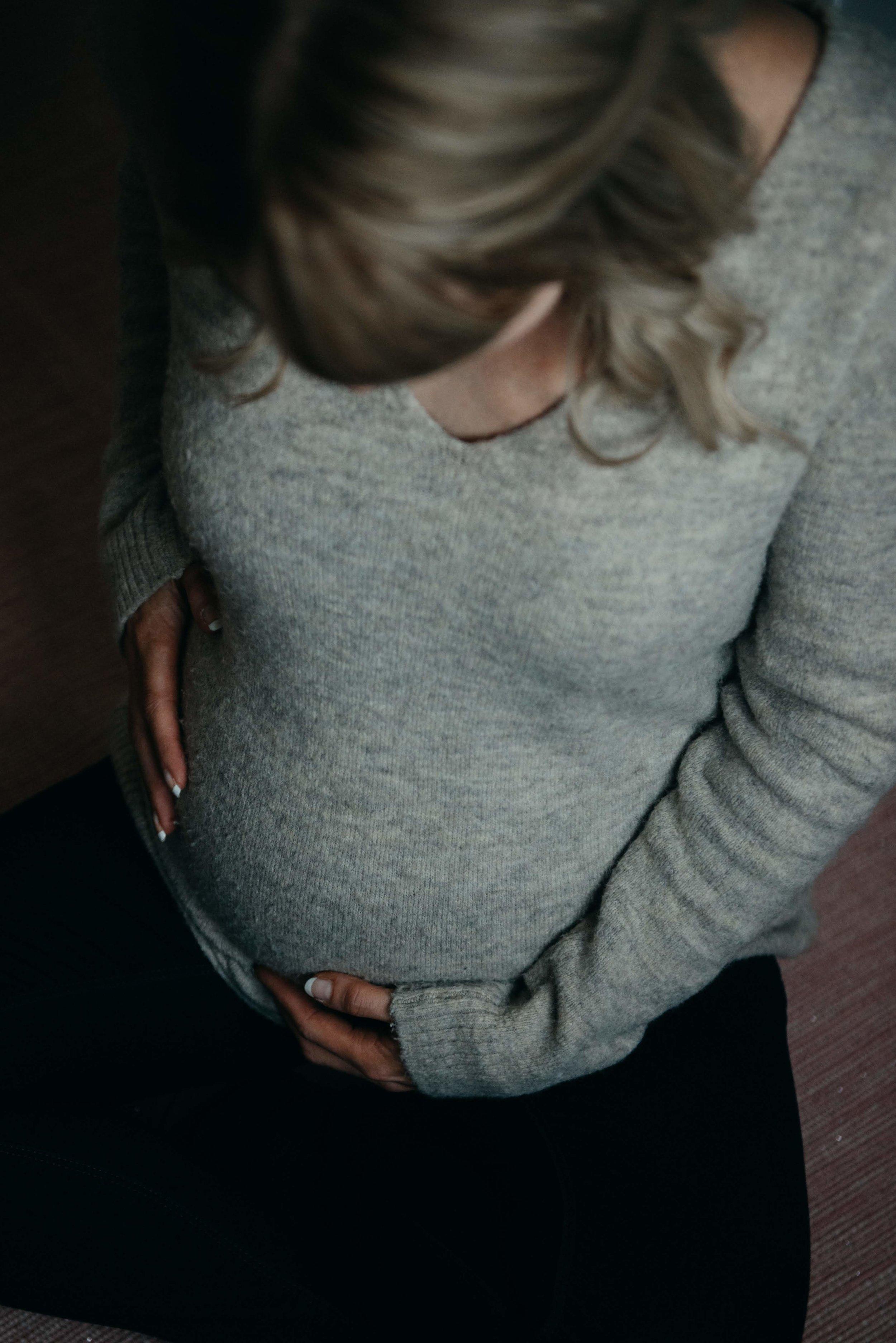 Baby bump photographer