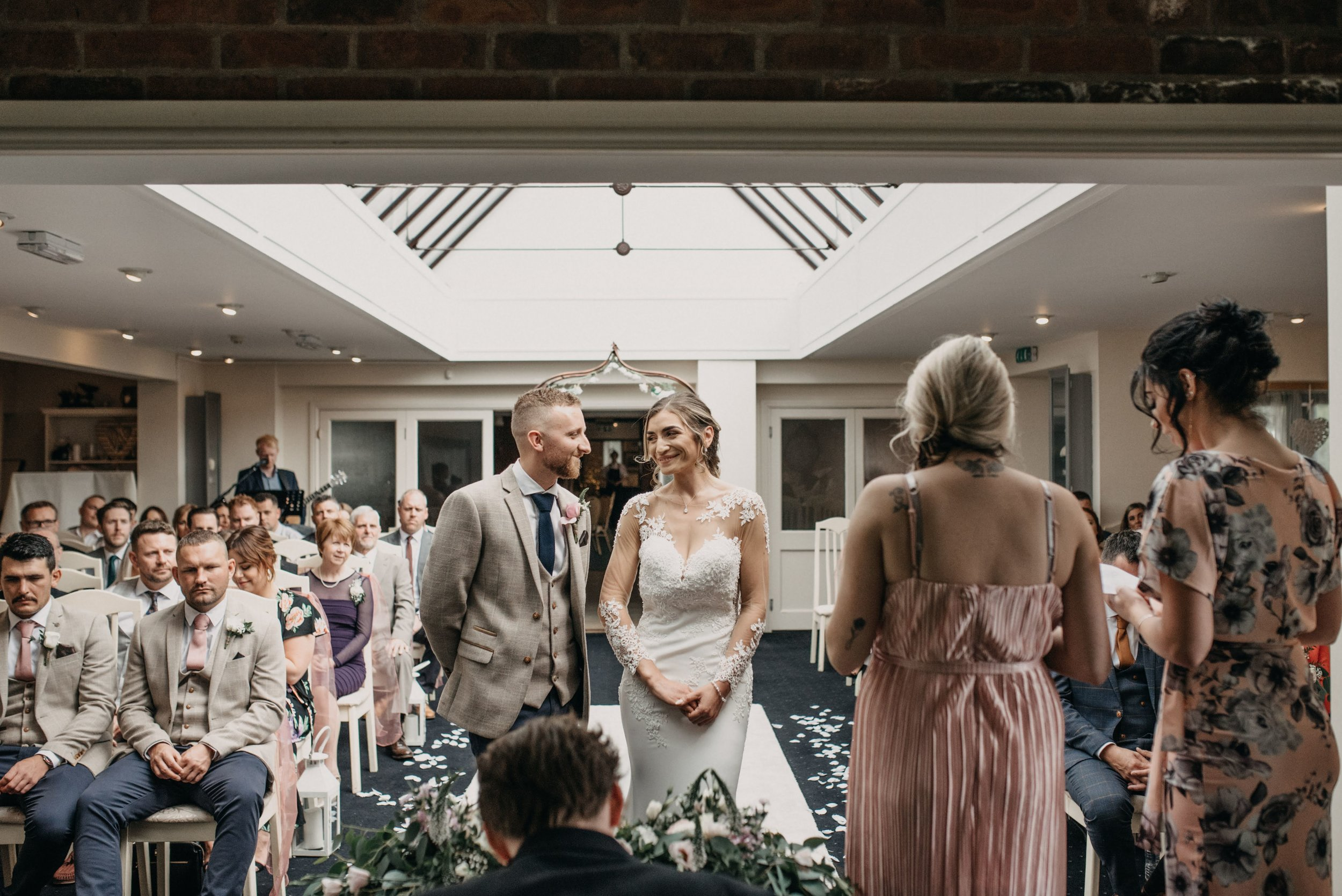 Lincoln wedding photographer at The White Heather