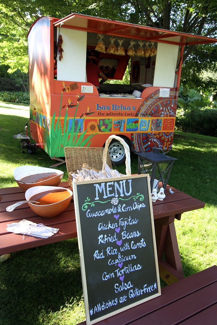 Mexican Food Truck - Via  Wedding Bee