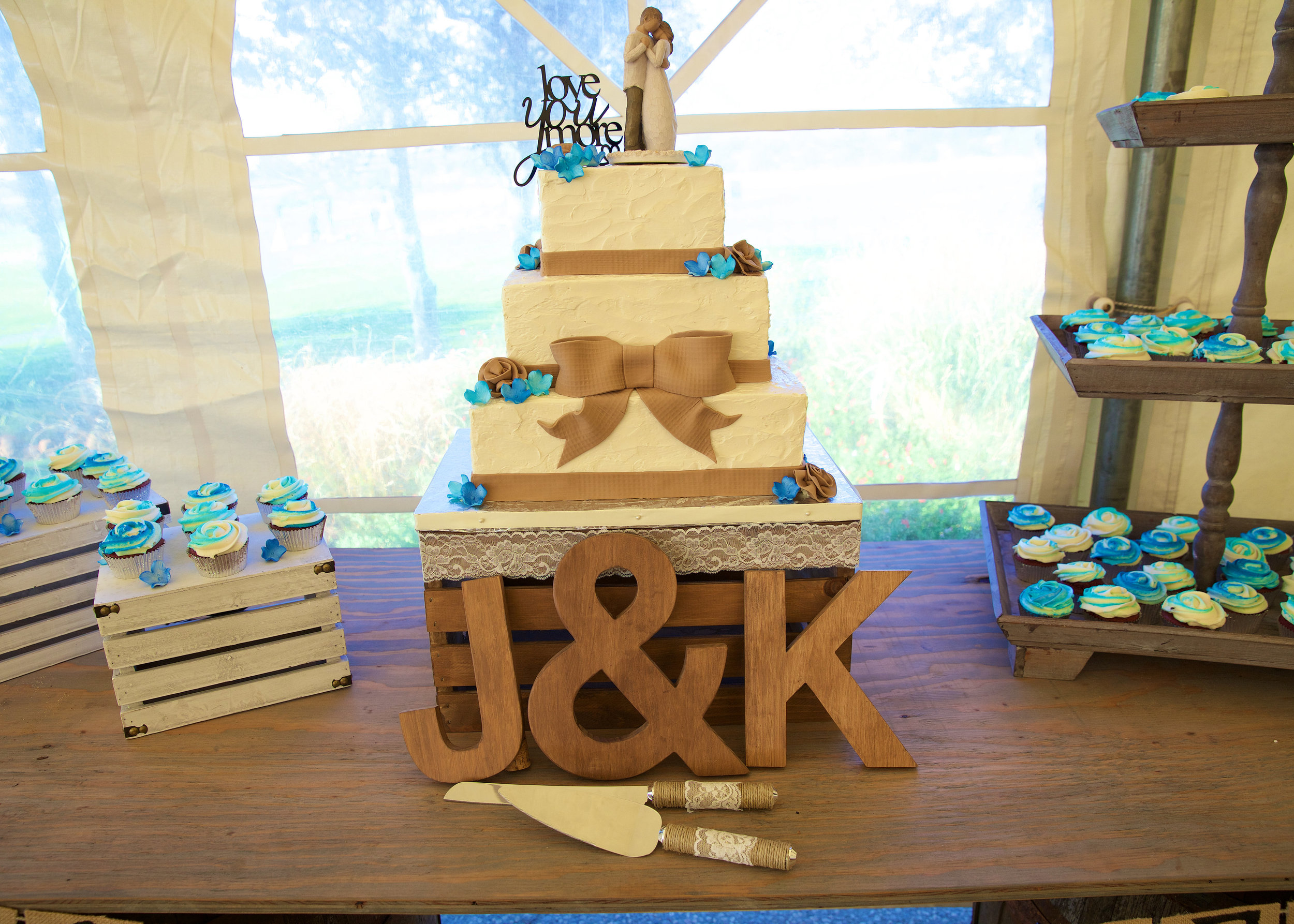 Jackie & Kevin Wedding Cake