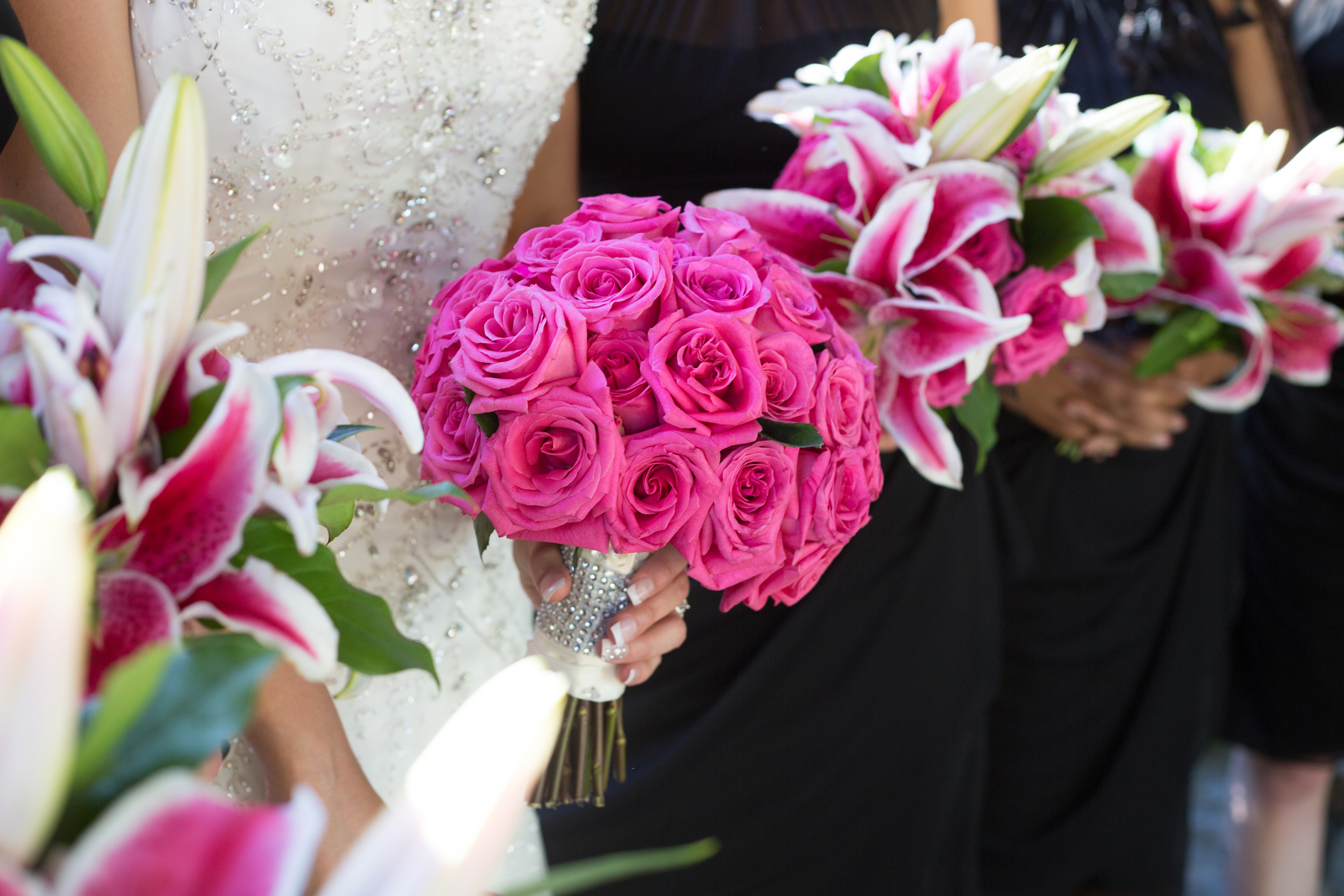 pink-bouquets-wedding