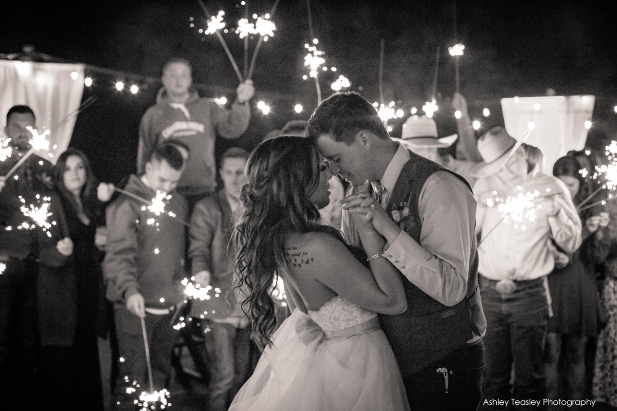 Kaleigh+&+Chris+-+Rancho+Victoria+Vineyards+-+Sacramento+Wedding+Photographer+-+Ashley+Teasley+Photography+--25.jpg