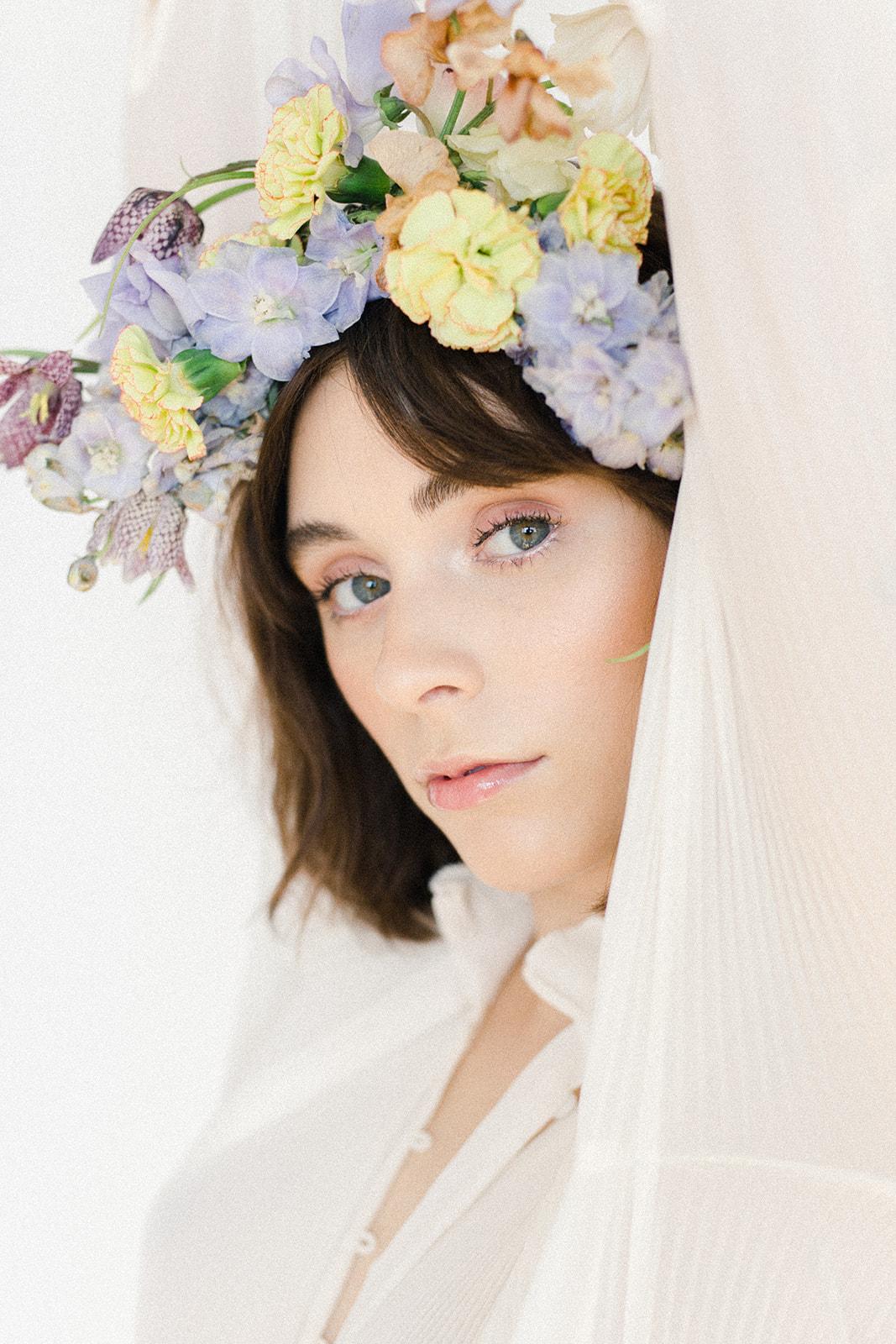 Flower-Crown-Shoot-white-shirt-6.jpg