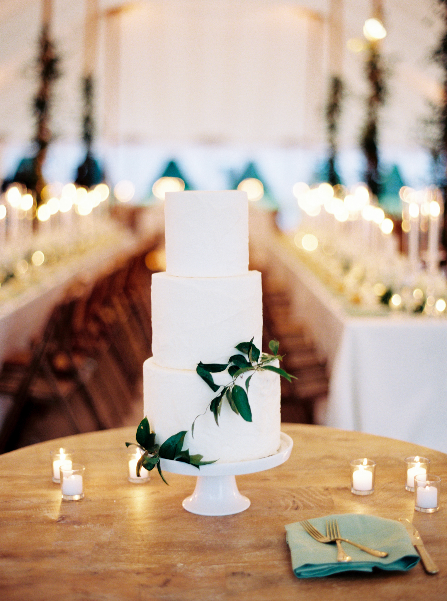 Charleston wedding cake modern