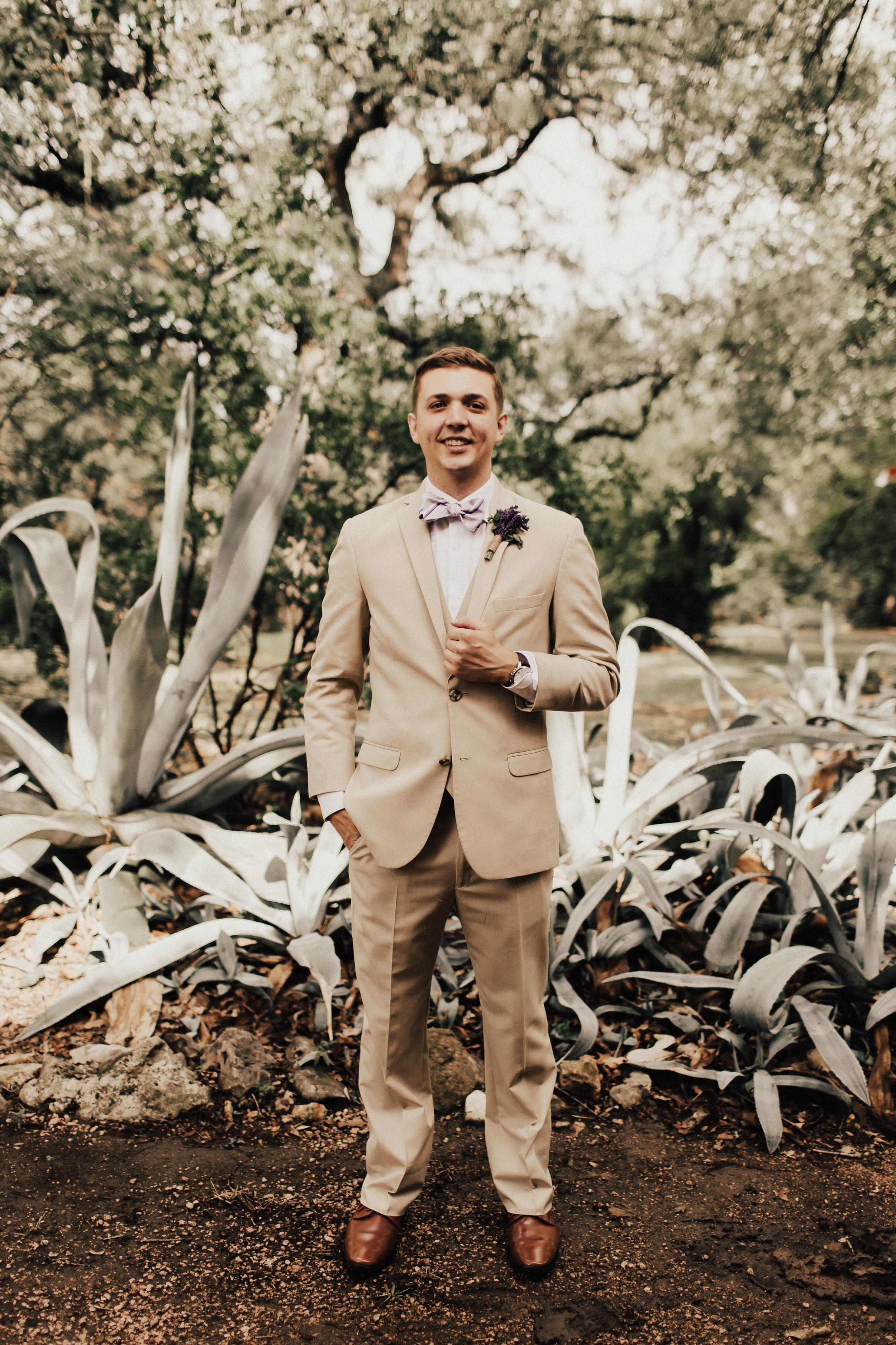 HAILEY-TIM-wedding-photographer-kindred-oaks-texas-223.jpg