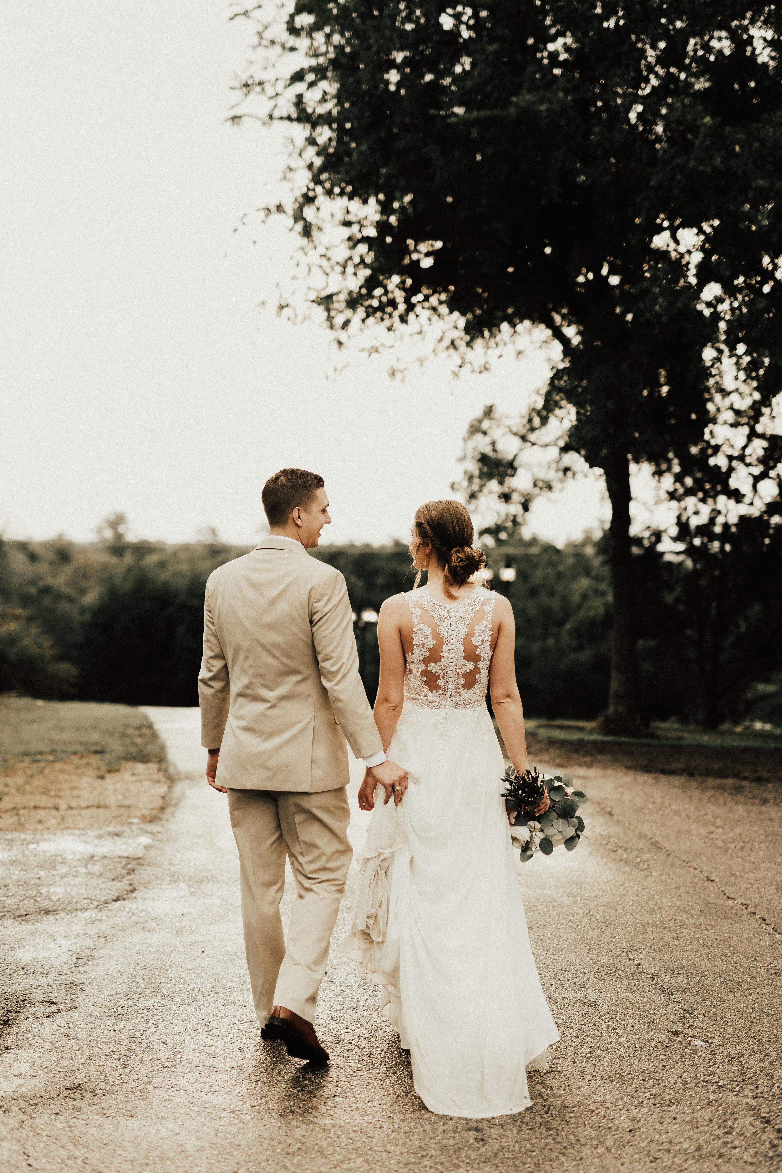 HAILEY-TIM-wedding-photographer-kindred-oaks-texas-436.jpg