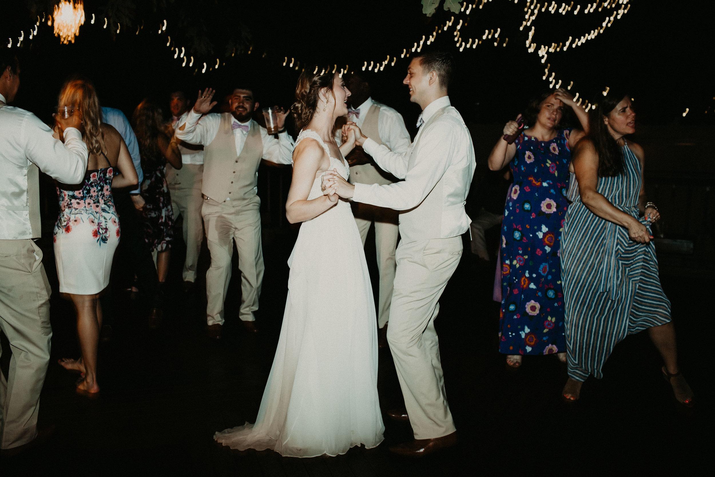HAILEY-TIM-wedding-photographer-kindred-oaks-texas-637.jpg