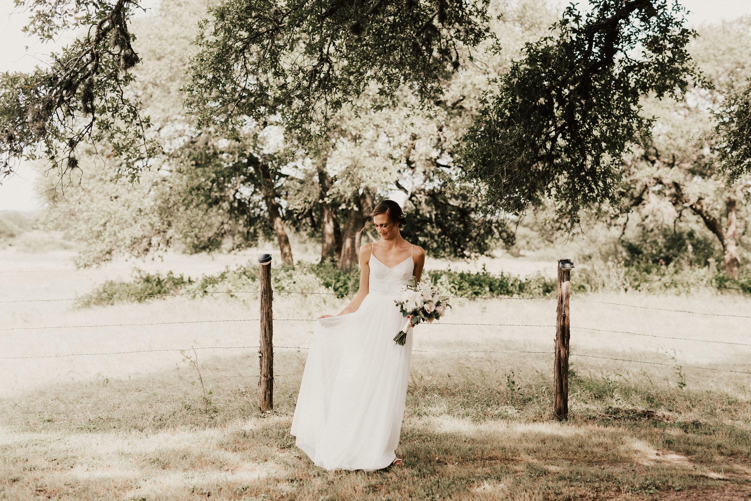 hannah-ben-stonehouse-villa-austin-texas-wedding-photographer-251.jpg