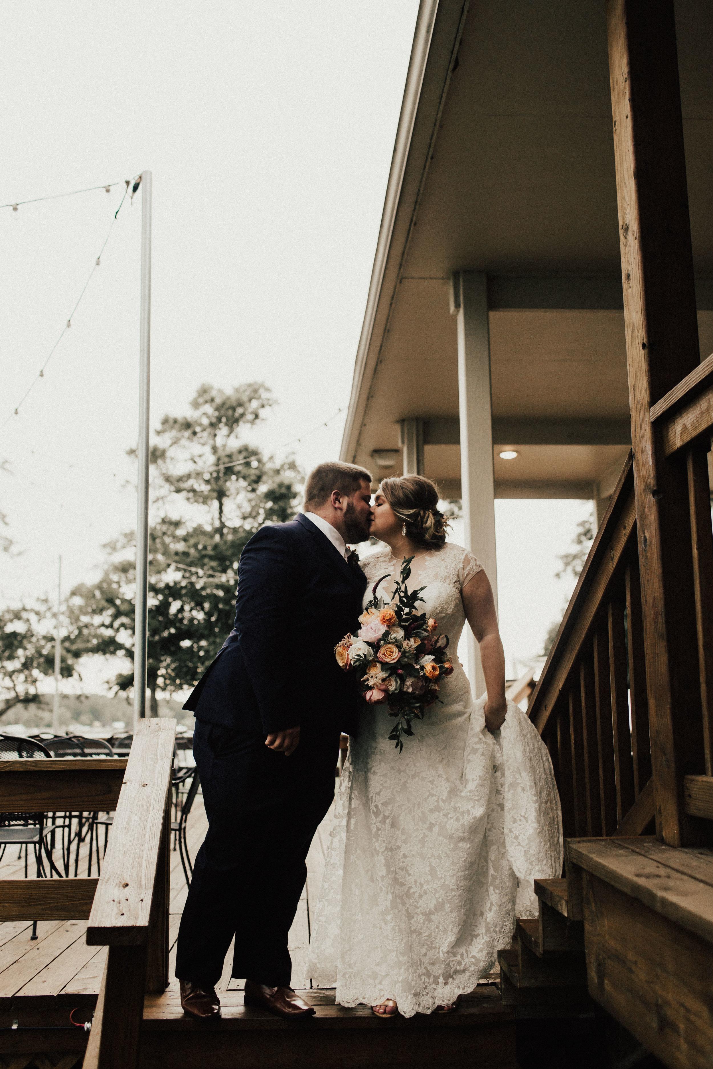 caitlin-jackson-wedding-photographer-lake-tyler-petroleum-club-texas--529.jpg