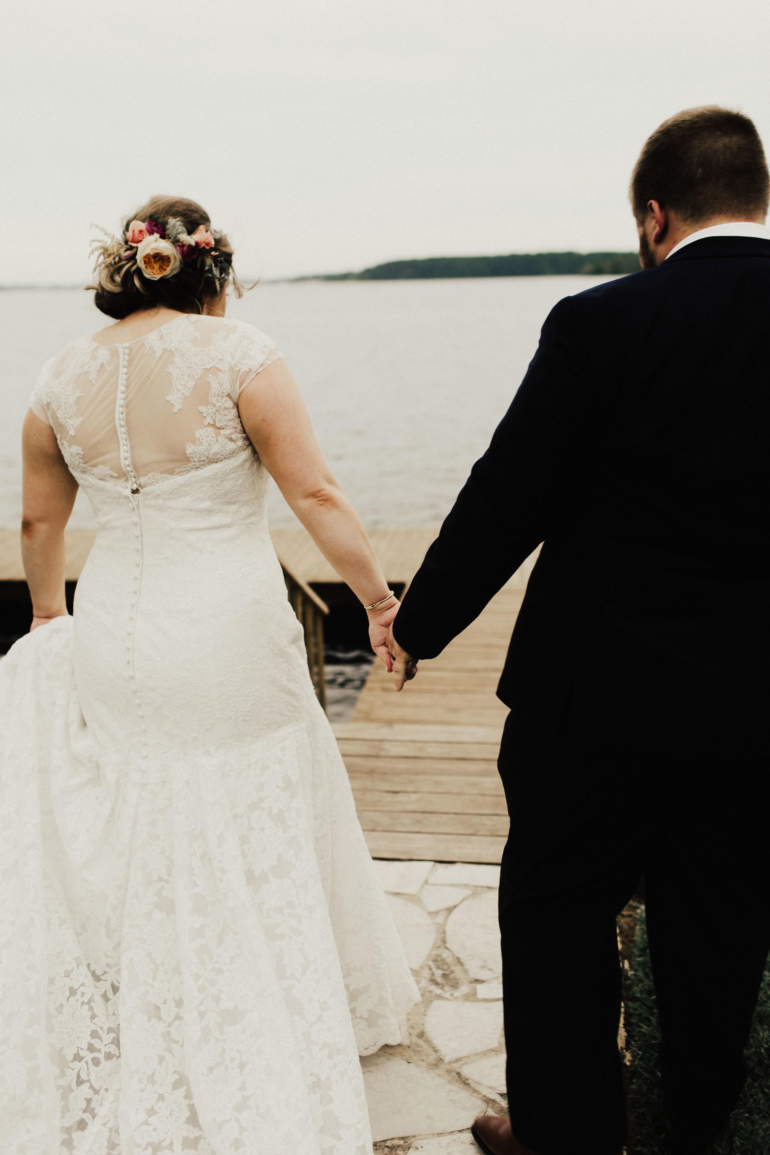 caitlin-jackson-wedding-photographer-lake-tyler-petroleum-club-texas--534.jpg