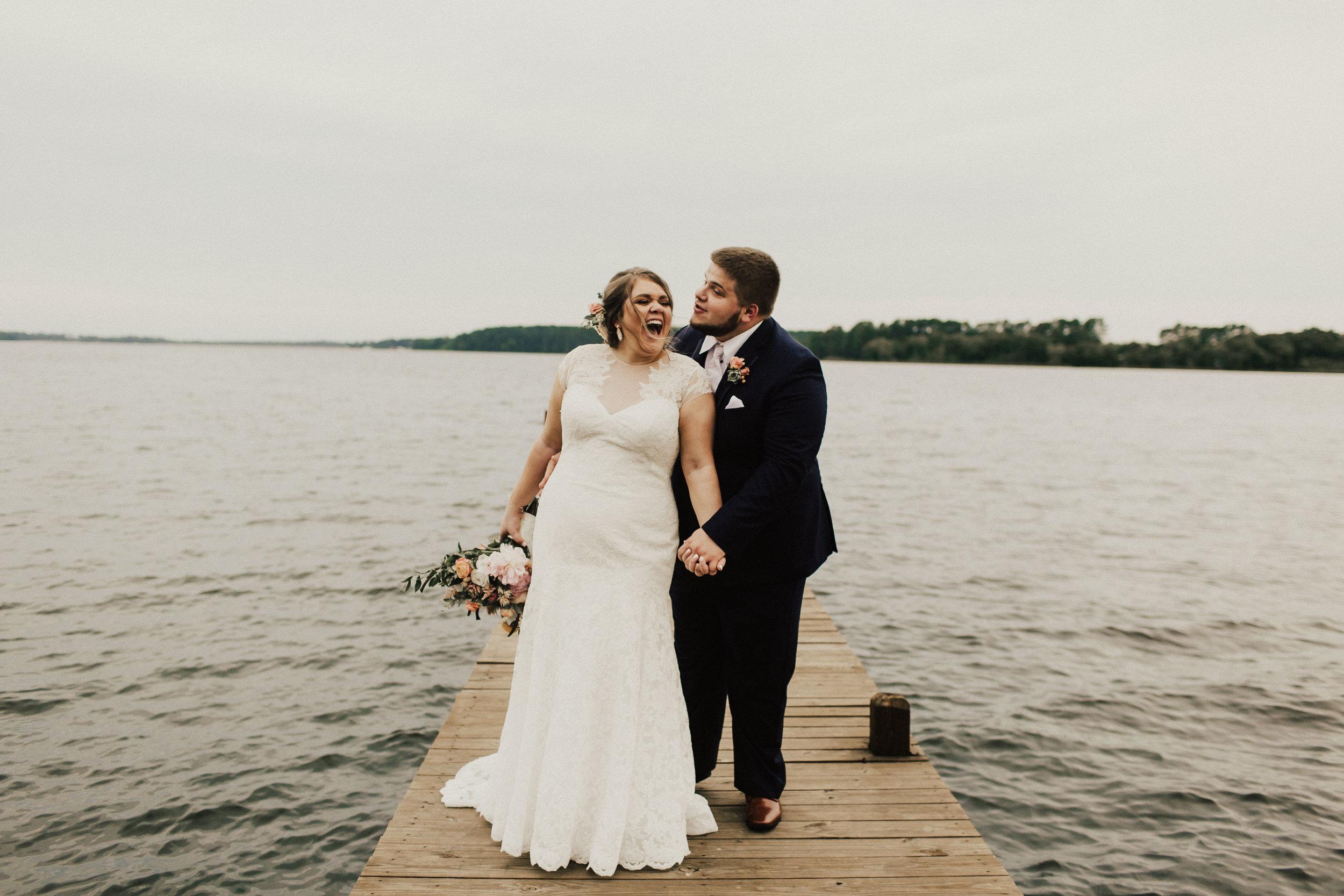 caitlin-jackson-wedding-photographer-lake-tyler-petroleum-club-texas--588.jpg