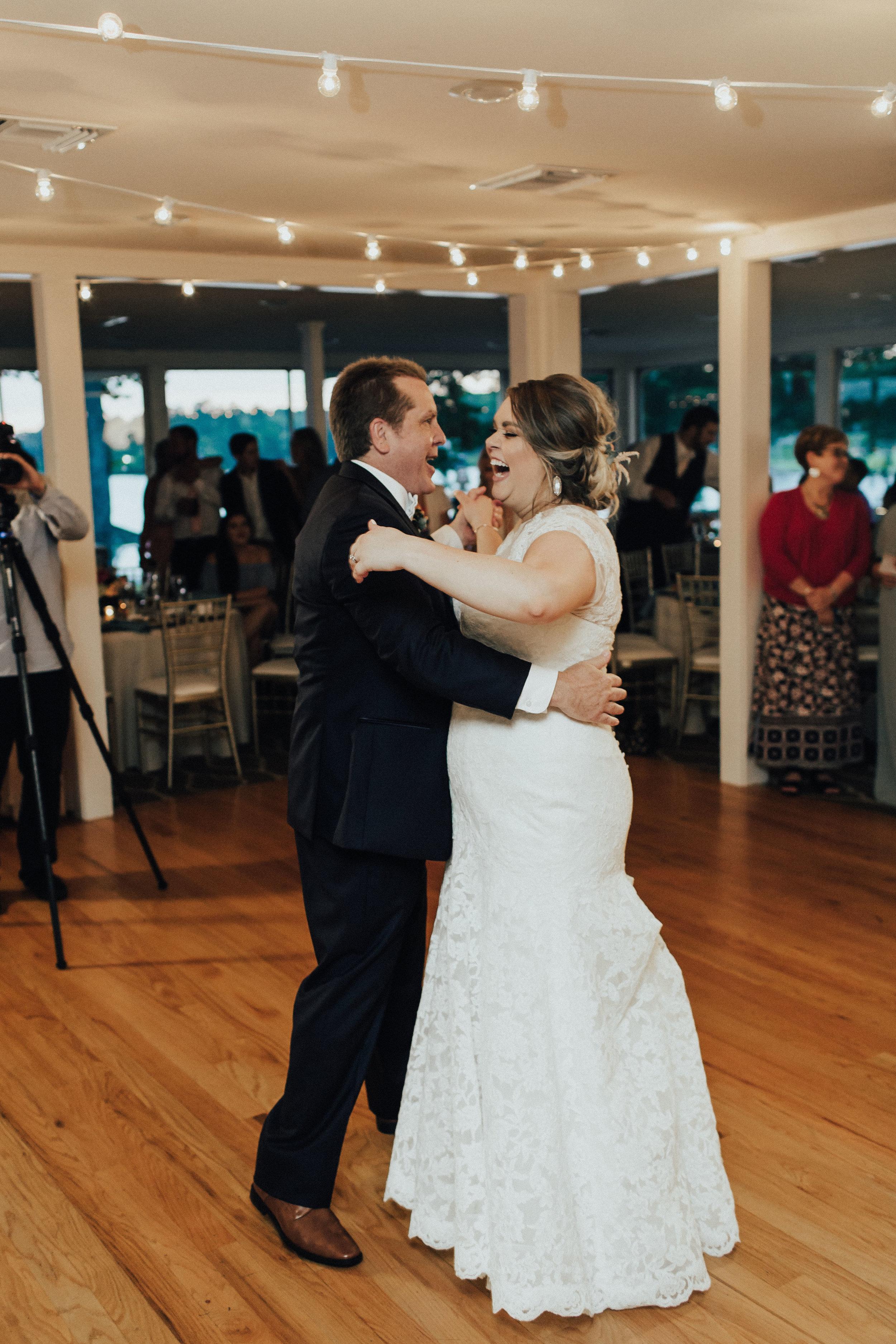 caitlin-jackson-wedding-photographer-lake-tyler-petroleum-club-texas--676.jpg