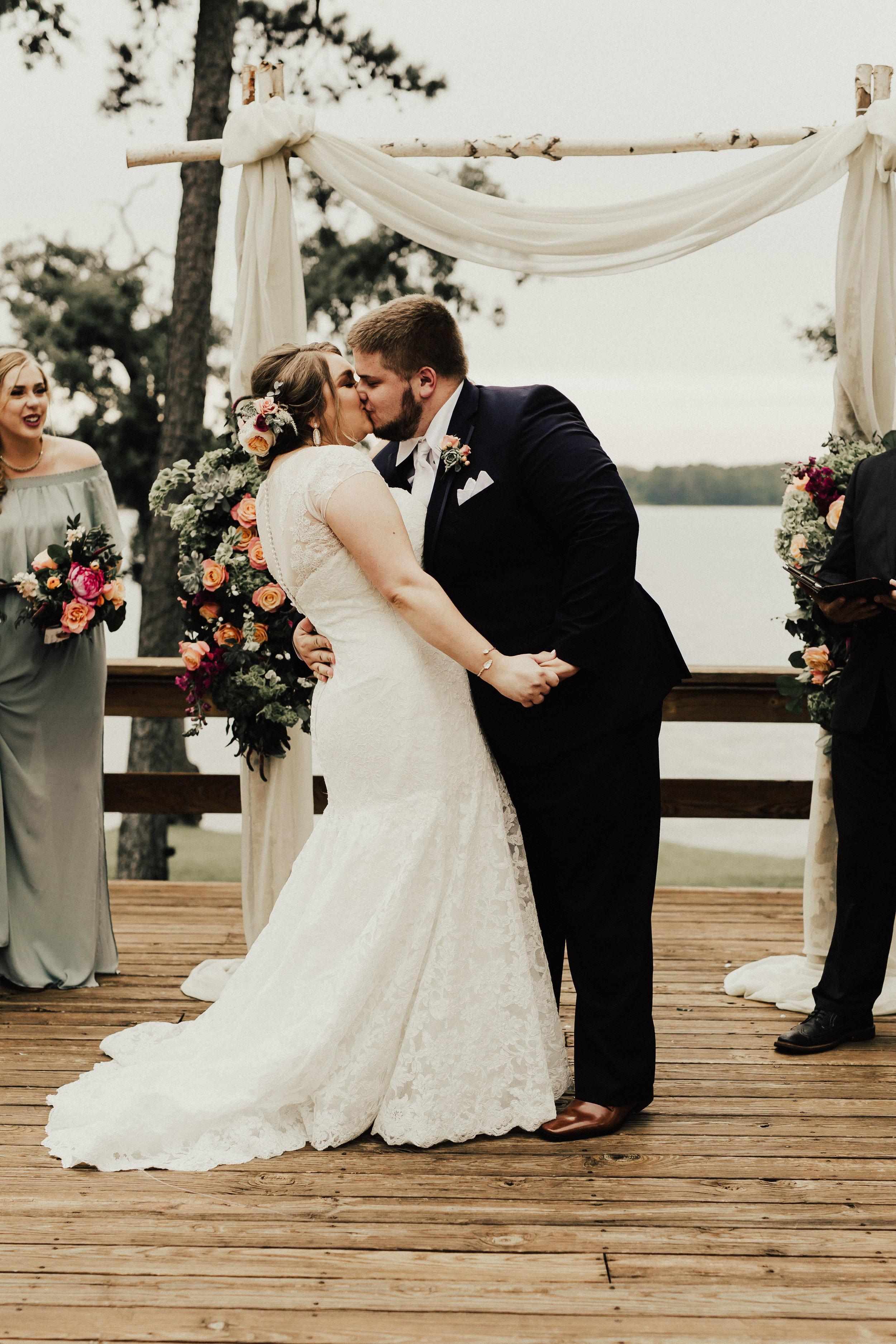 caitlin-jackson-wedding-photographer-lake-tyler-petroleum-club-texas--476.jpg