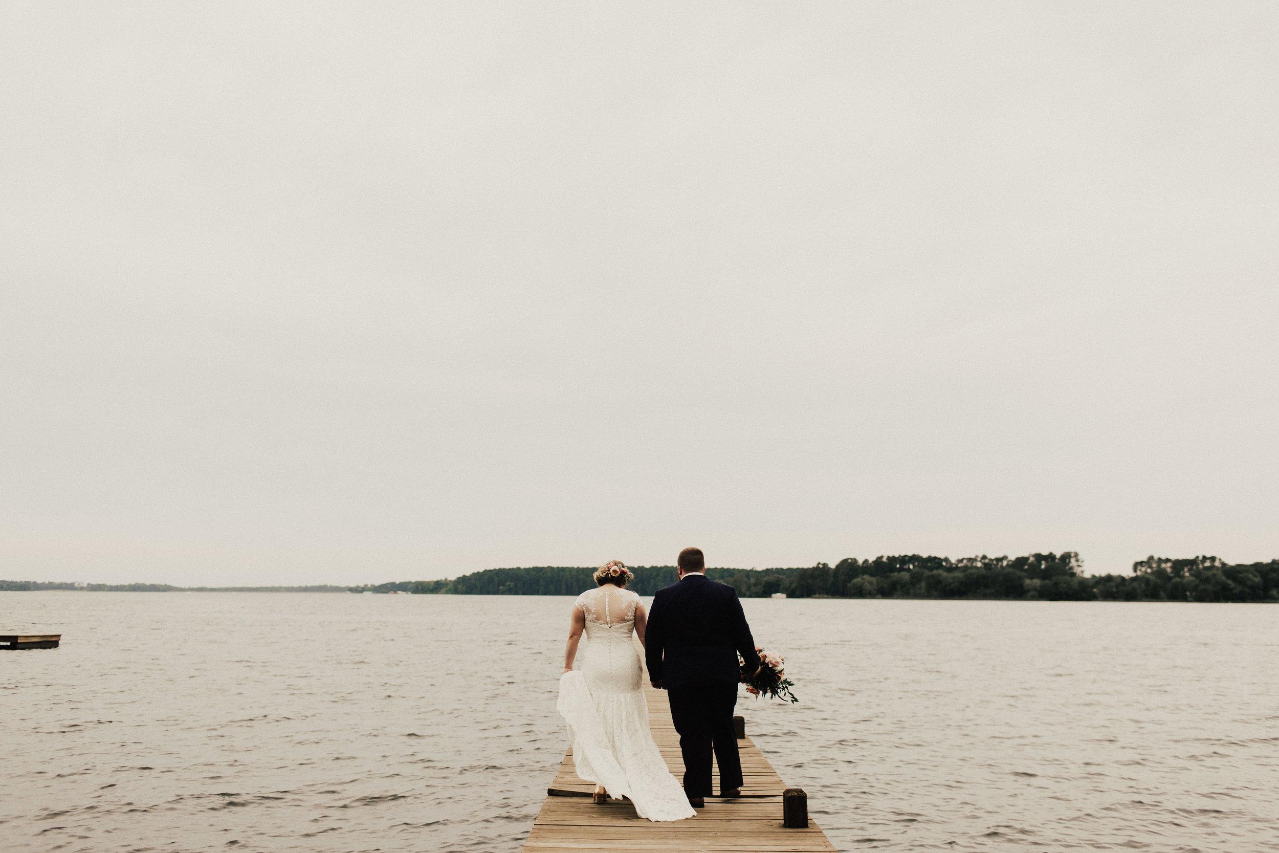 caitlin-jackson-wedding-photographer-lake-tyler-petroleum-club-texas--548.jpg