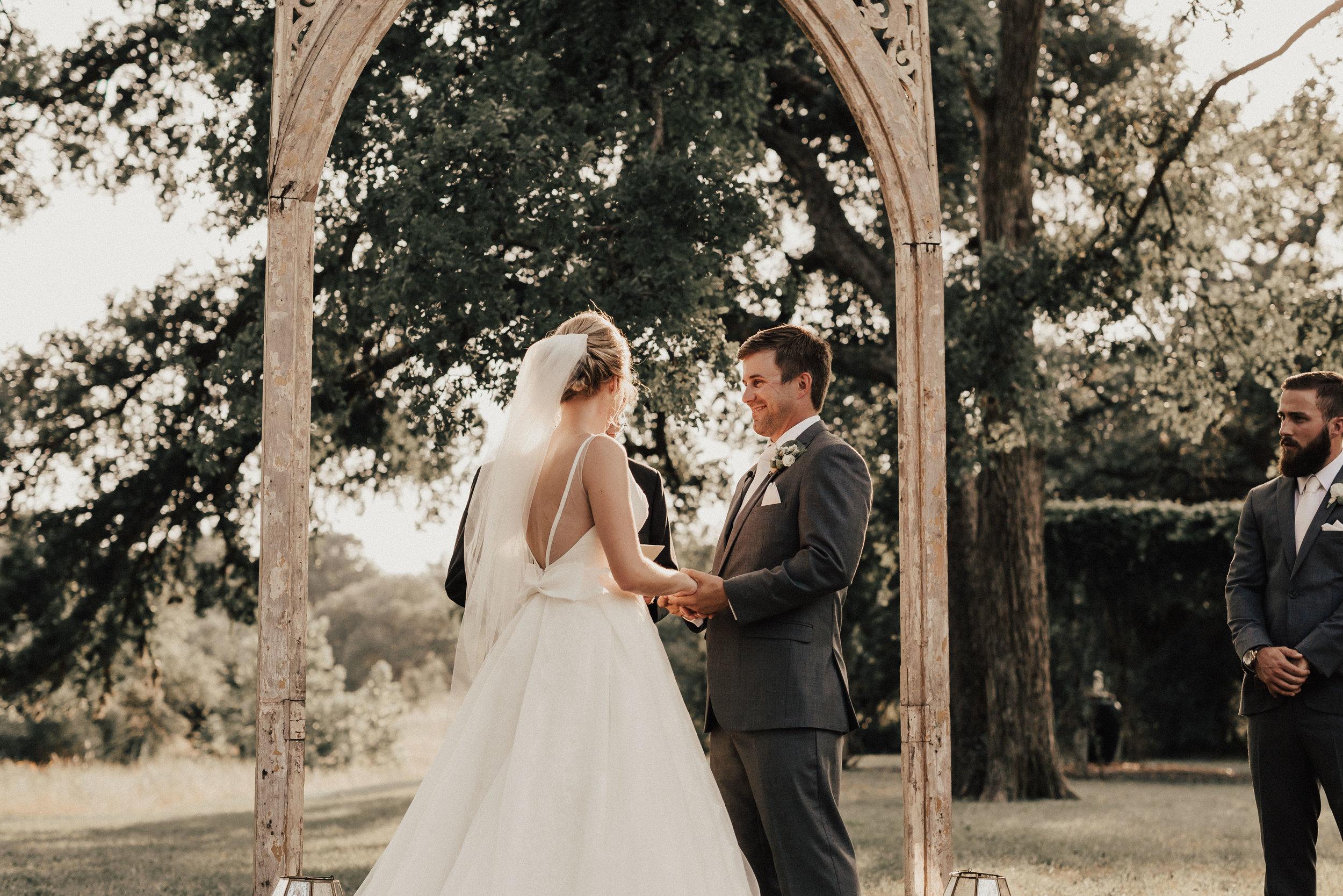 lauren-harrison-wedding-photographer-pecan-springs-ranch-austin-texas--589.jpg