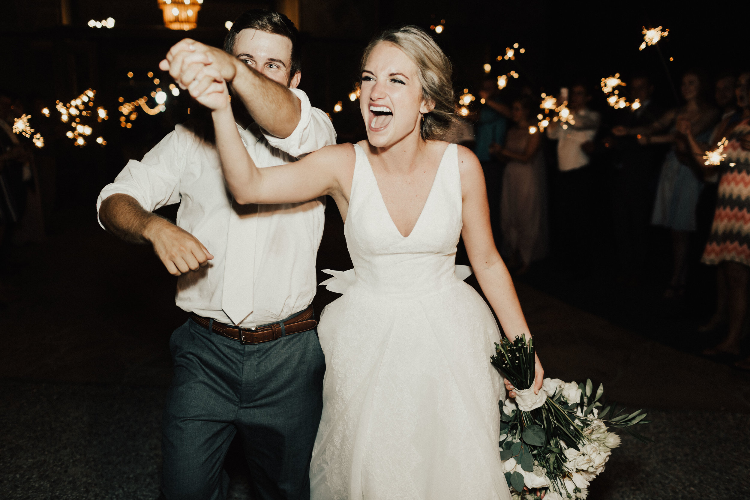 lauren-harrison-wedding-photographer-pecan-springs-ranch-austin-texas--967.jpg