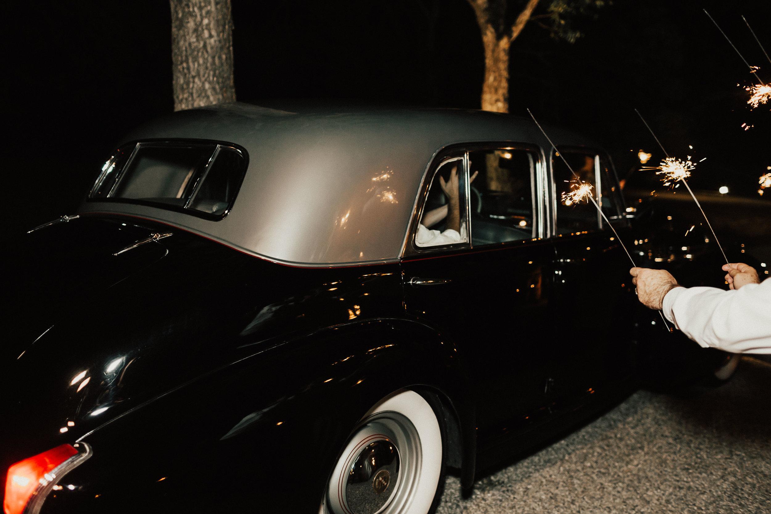 lauren-harrison-wedding-photographer-pecan-springs-ranch-austin-texas--972.jpg