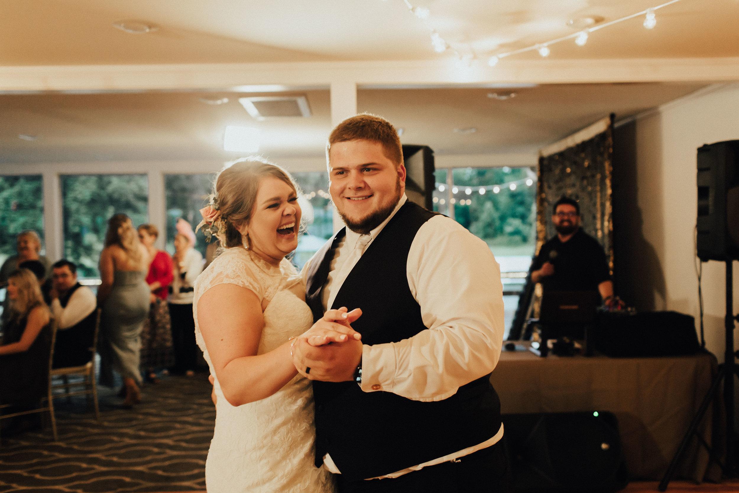 caitlin-jackson-wedding-photographer-lake-tyler-petroleum-club-texas--645.jpg