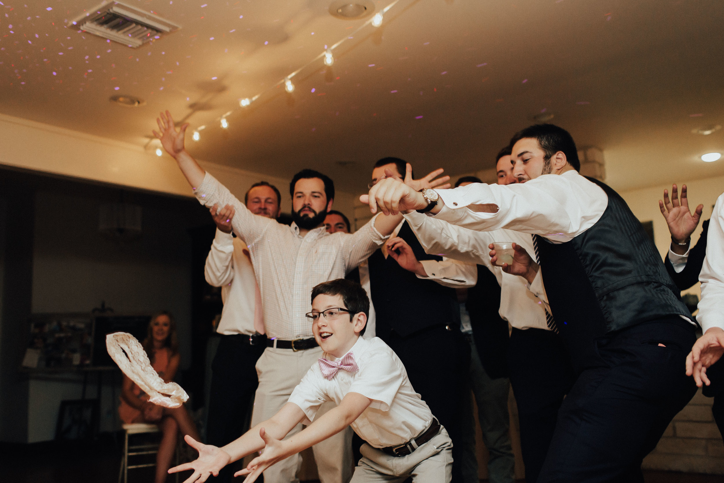 caitlin-jackson-wedding-photographer-lake-tyler-petroleum-club-texas--864.jpg