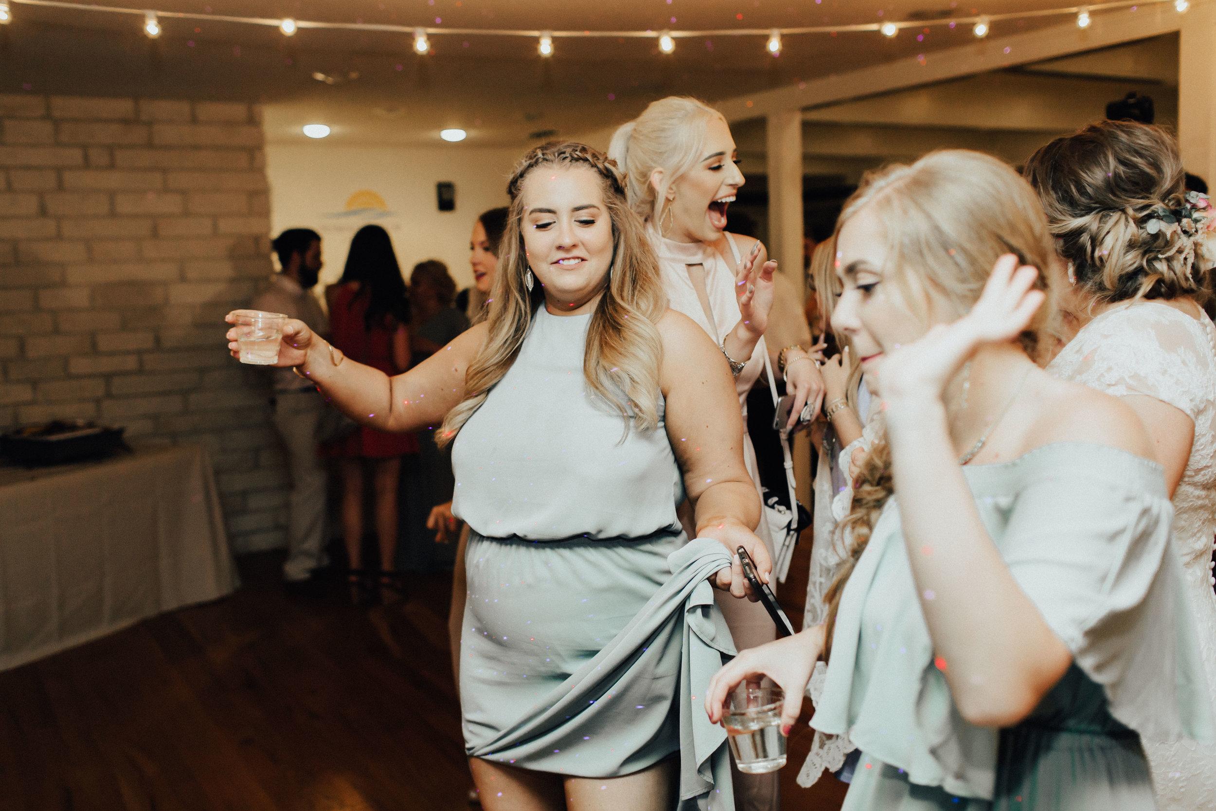 caitlin-jackson-wedding-photographer-lake-tyler-petroleum-club-texas--724.jpg
