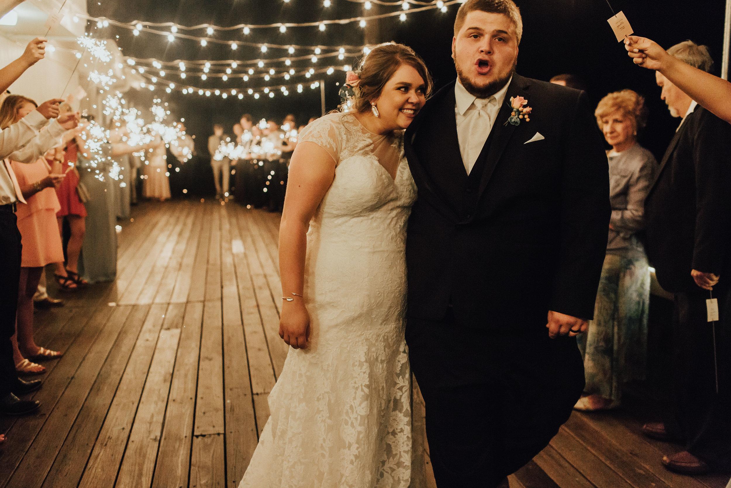 caitlin-jackson-wedding-photographer-lake-tyler-petroleum-club-texas--887.jpg